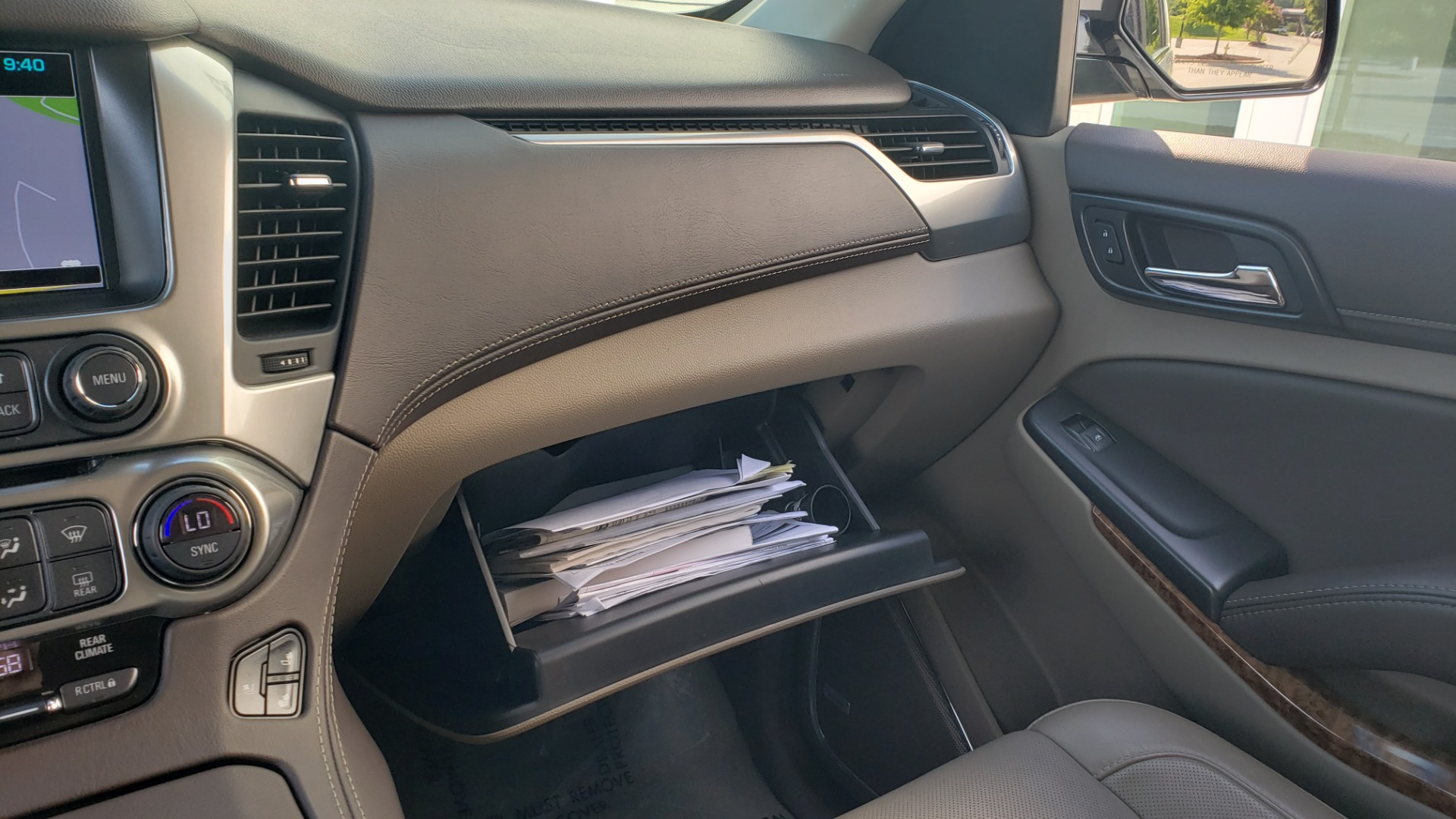 Used 2018 Chevrolet TAHOE PREMIER 4X4 / NAV / BOSE / SUNROOF / ENT SYS / 3-ROW / REARVIEW for sale $55,995 at Formula Imports in Charlotte NC 28227 57