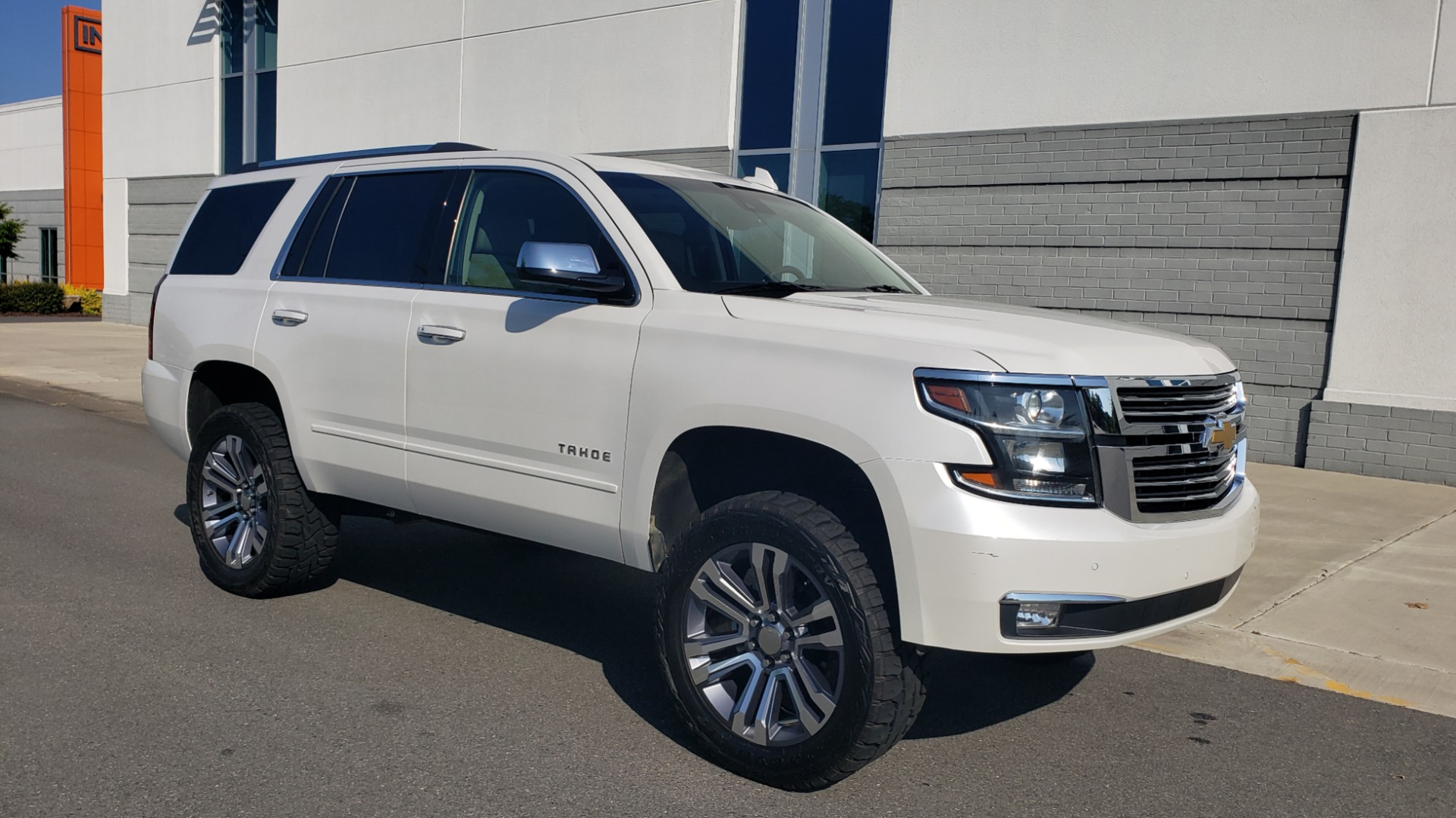 Used 2018 Chevrolet TAHOE PREMIER 4X4 / NAV / BOSE / SUNROOF / ENT SYS / 3-ROW / REARVIEW for sale $55,995 at Formula Imports in Charlotte NC 28227 6