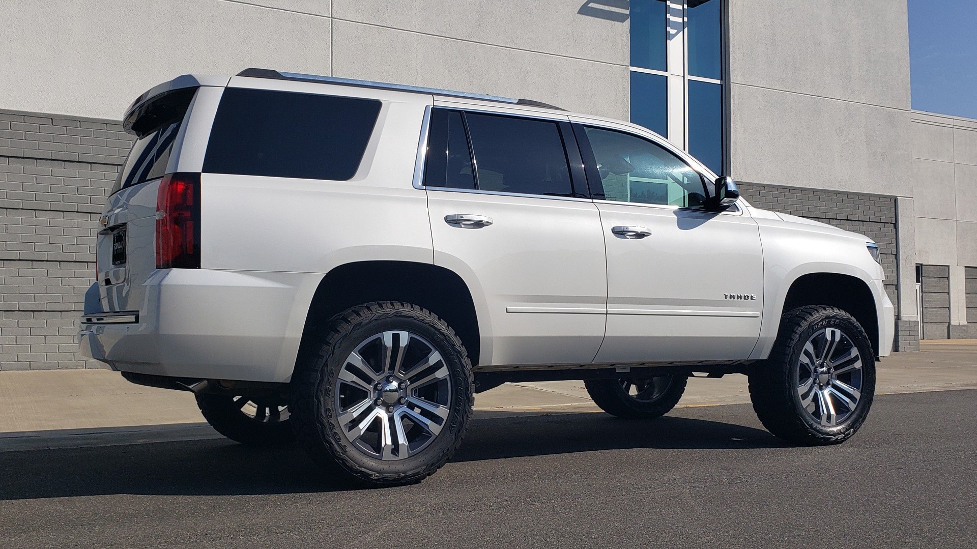 Used 2018 Chevrolet TAHOE PREMIER 4X4 / NAV / BOSE / SUNROOF / ENT SYS / 3-ROW / REARVIEW for sale $55,995 at Formula Imports in Charlotte NC 28227 8
