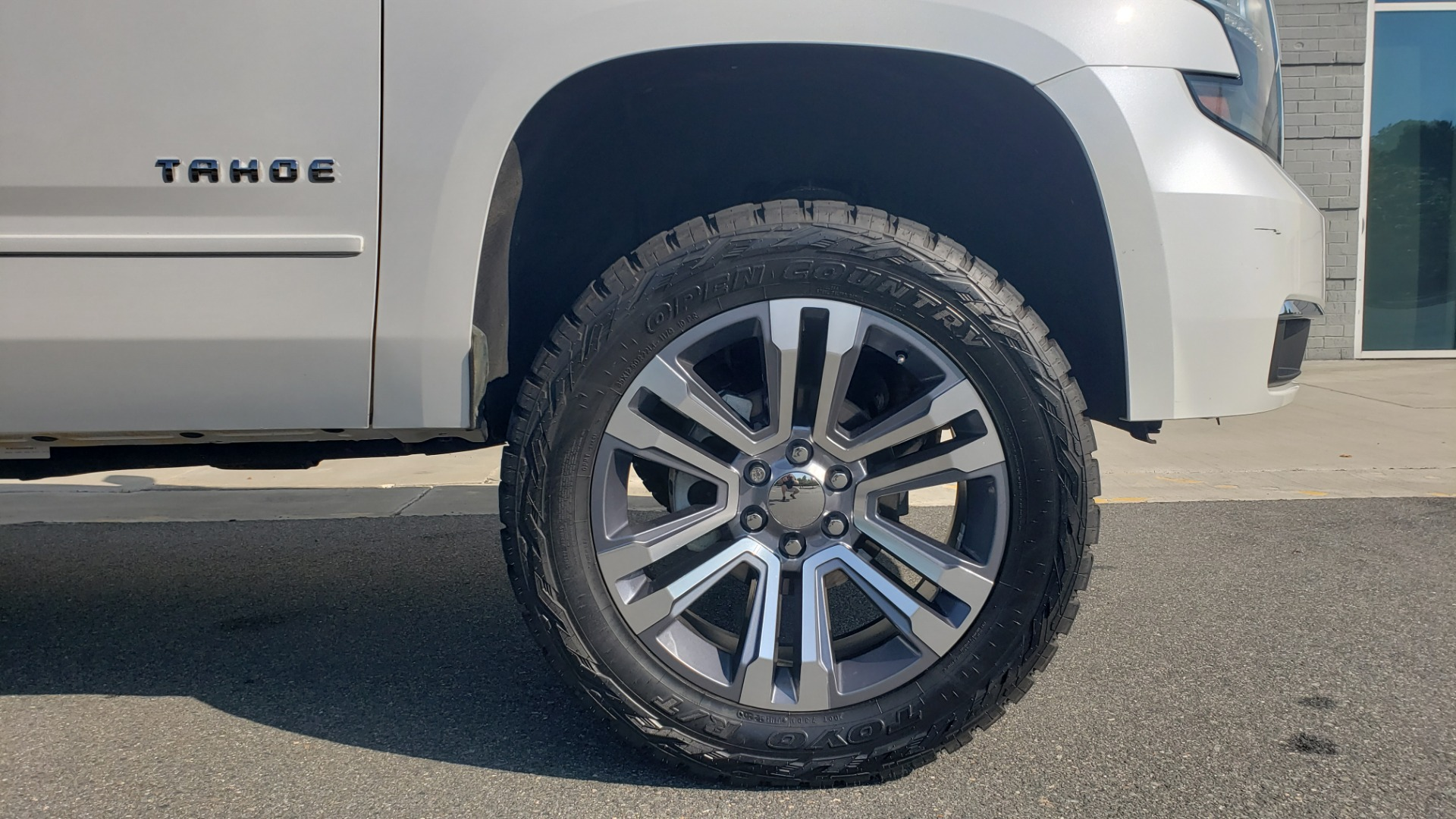 Used 2018 Chevrolet TAHOE PREMIER 4X4 / NAV / BOSE / SUNROOF / ENT SYS / 3-ROW / REARVIEW for sale $55,995 at Formula Imports in Charlotte NC 28227 83