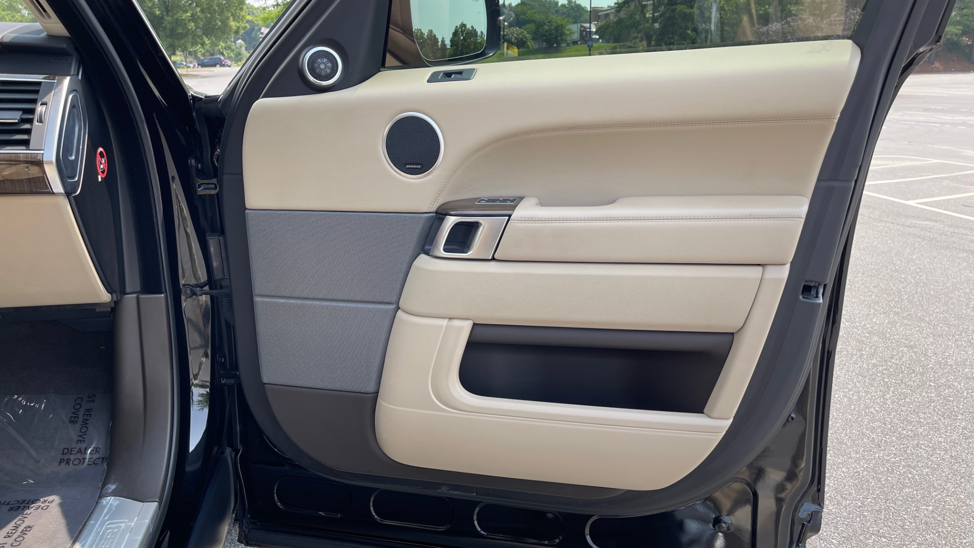 Used 2016 Land Rover RANGE ROVER SPORT V6 HSE / NAV / PANO-ROOF / MERIDIAN / CONSOLE COOLER / CAMERAS for sale $40,995 at Formula Imports in Charlotte NC 28227 68