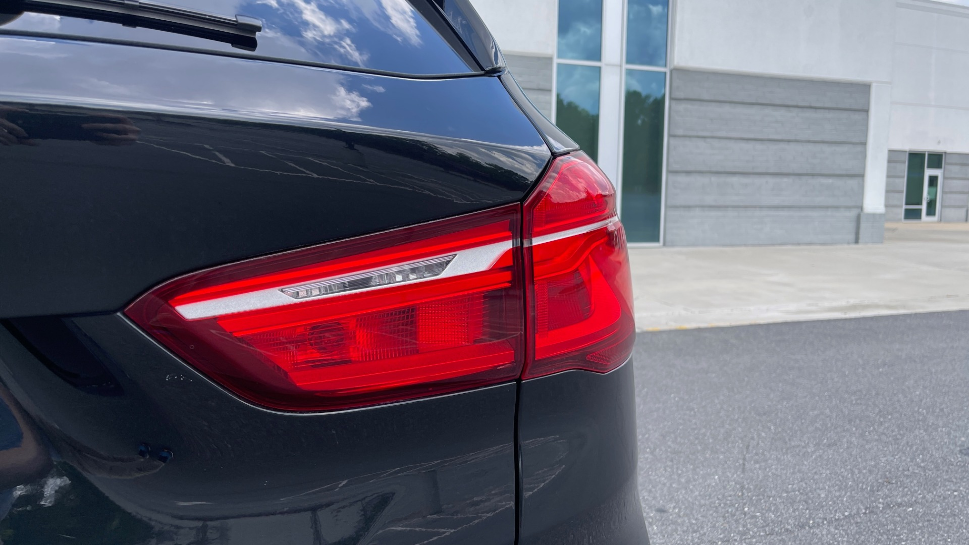Used 2018 BMW X1 XDRIVE28I / NAV / CONV PKG / HTD STS / PANO-ROOF / REARVIEW for sale $29,995 at Formula Imports in Charlotte NC 28227 24