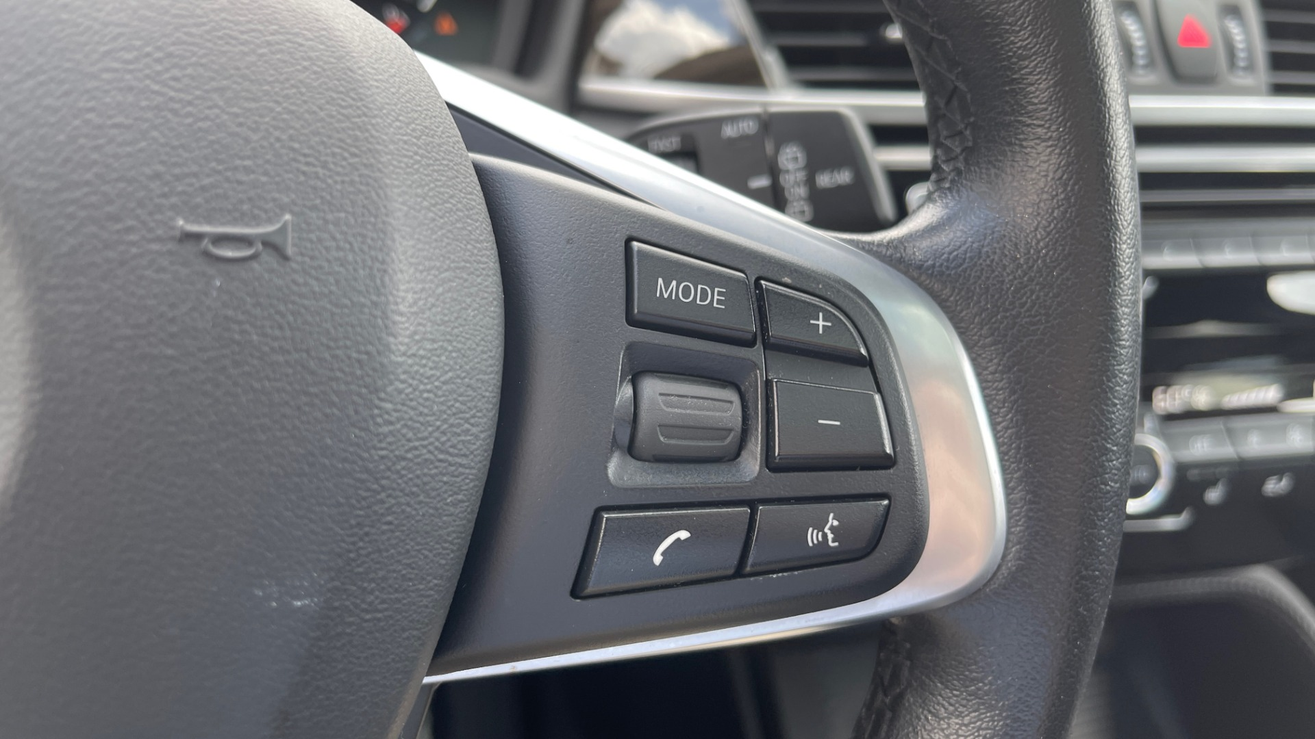 Used 2018 BMW X1 XDRIVE28I / NAV / CONV PKG / HTD STS / PANO-ROOF / REARVIEW for sale $29,995 at Formula Imports in Charlotte NC 28227 37