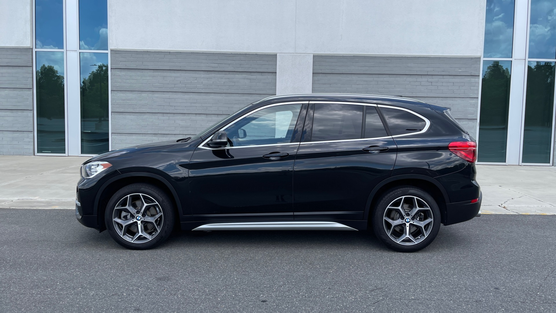Used 2018 BMW X1 XDRIVE28I / NAV / CONV PKG / HTD STS / PANO-ROOF / REARVIEW for sale $29,995 at Formula Imports in Charlotte NC 28227 4
