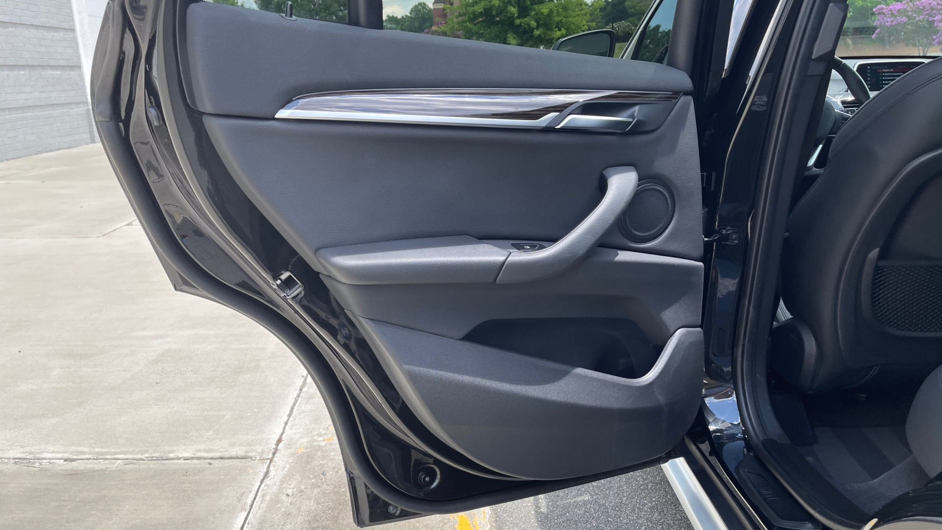 Used 2018 BMW X1 XDRIVE28I / NAV / CONV PKG / HTD STS / PANO-ROOF / REARVIEW for sale $29,995 at Formula Imports in Charlotte NC 28227 52