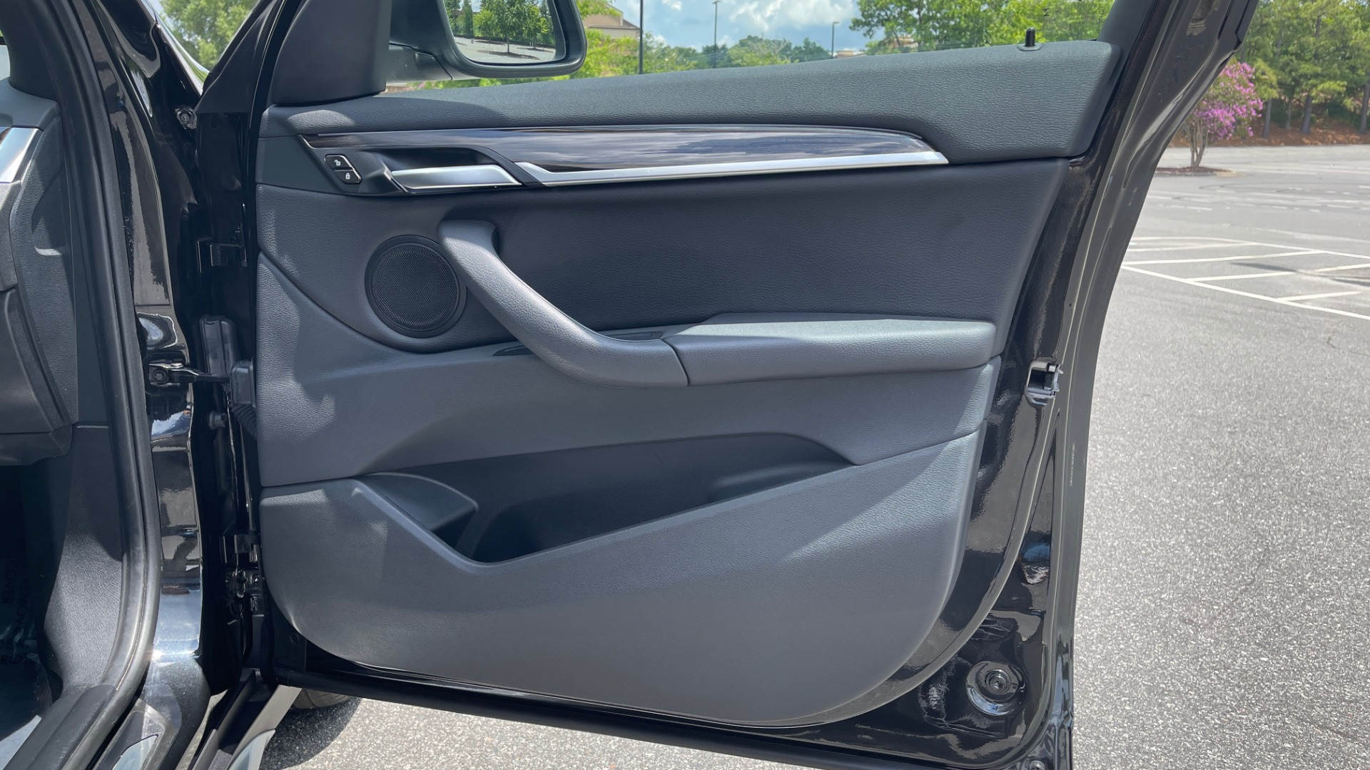 Used 2018 BMW X1 XDRIVE28I / NAV / CONV PKG / HTD STS / PANO-ROOF / REARVIEW for sale $29,995 at Formula Imports in Charlotte NC 28227 65