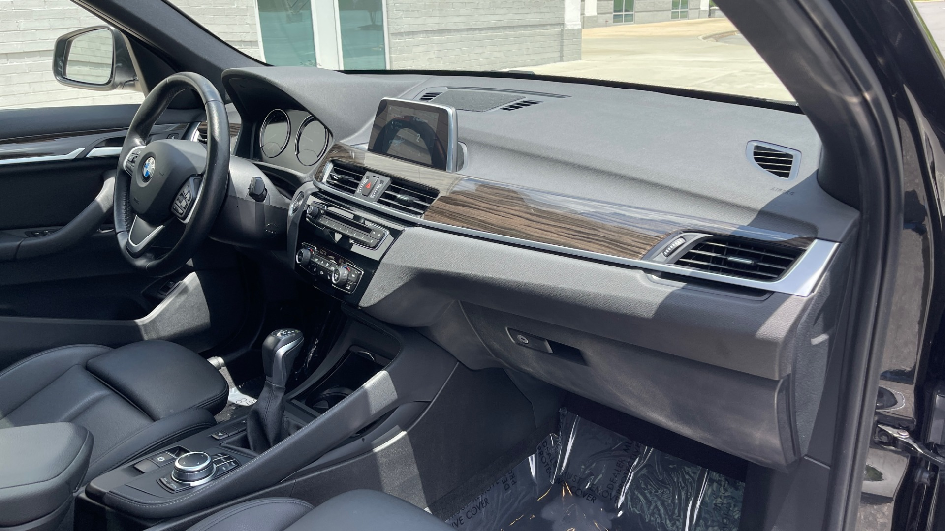 Used 2018 BMW X1 XDRIVE28I / NAV / CONV PKG / HTD STS / PANO-ROOF / REARVIEW for sale $29,995 at Formula Imports in Charlotte NC 28227 68