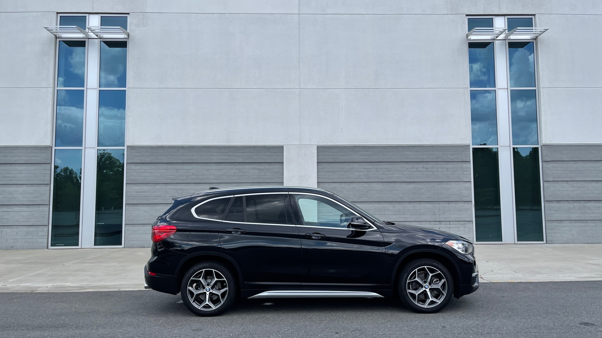 Used 2018 BMW X1 XDRIVE28I / NAV / CONV PKG / HTD STS / PANO-ROOF / REARVIEW for sale $29,995 at Formula Imports in Charlotte NC 28227 7