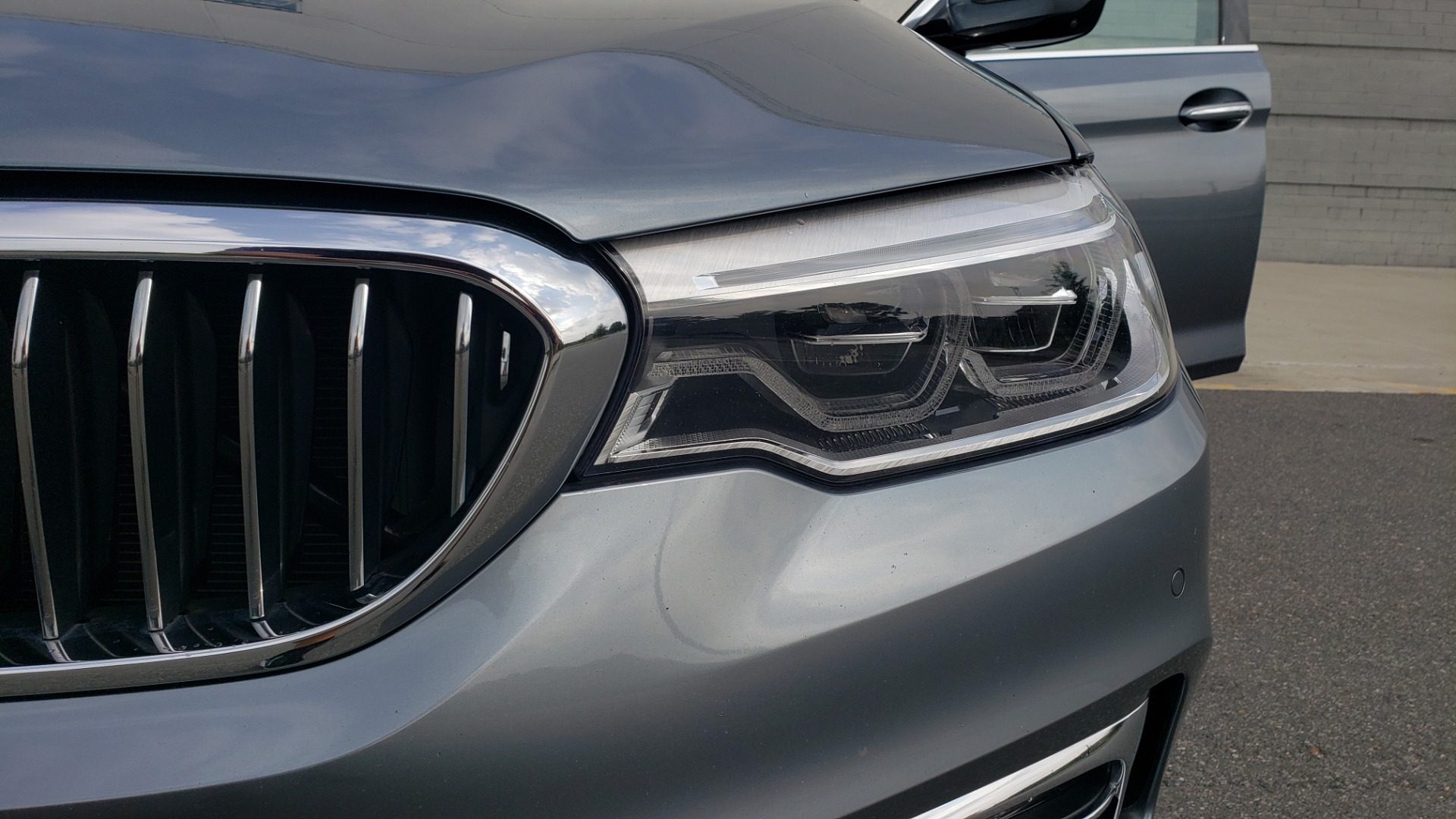 Used 2018 BMW 5 SERIES 540I XDRIVE PREMIUM / EXECUTIVE / LUXURY / H/K SND / REMOTE CONTROL PARKING for sale $40,995 at Formula Imports in Charlotte NC 28227 22