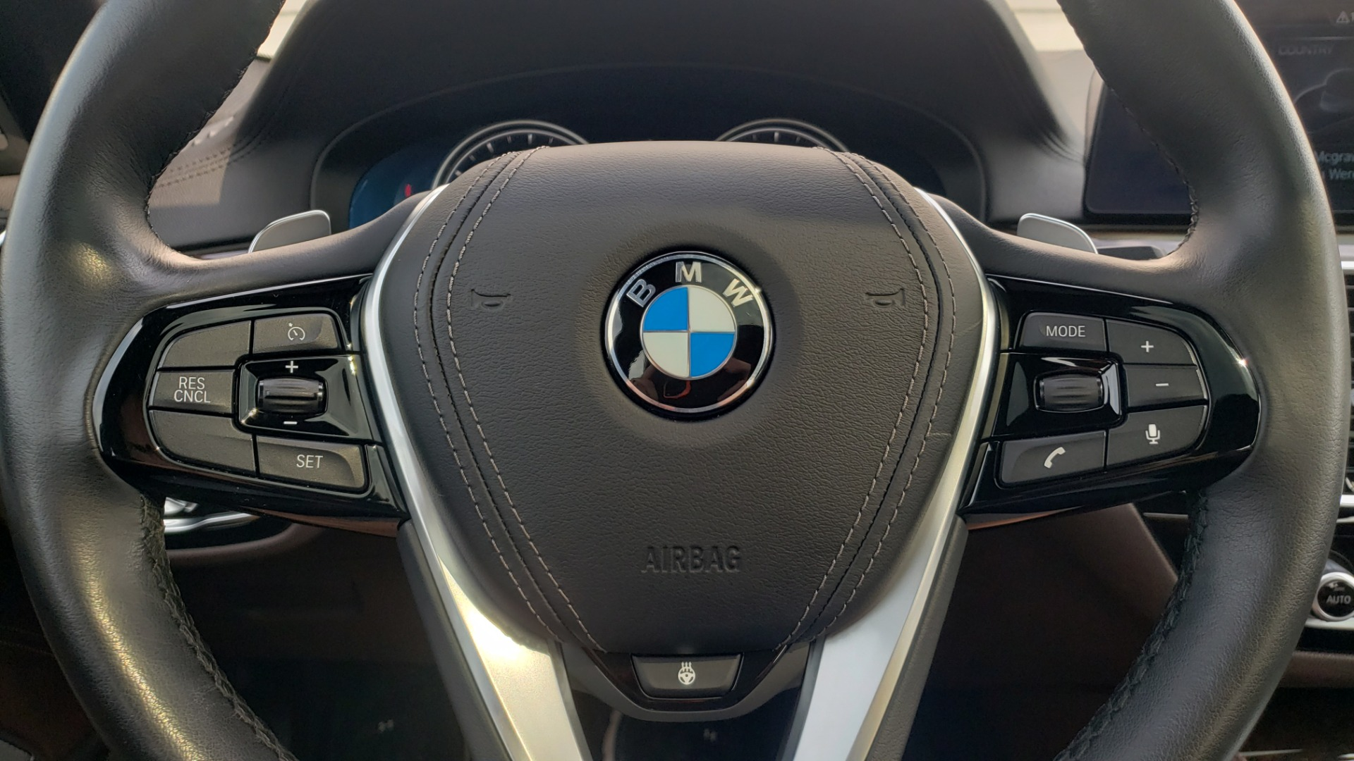 Used 2018 BMW 5 SERIES 540I XDRIVE PREMIUM / EXECUTIVE / LUXURY / H/K SND / REMOTE CONTROL PARKING for sale $40,995 at Formula Imports in Charlotte NC 28227 37