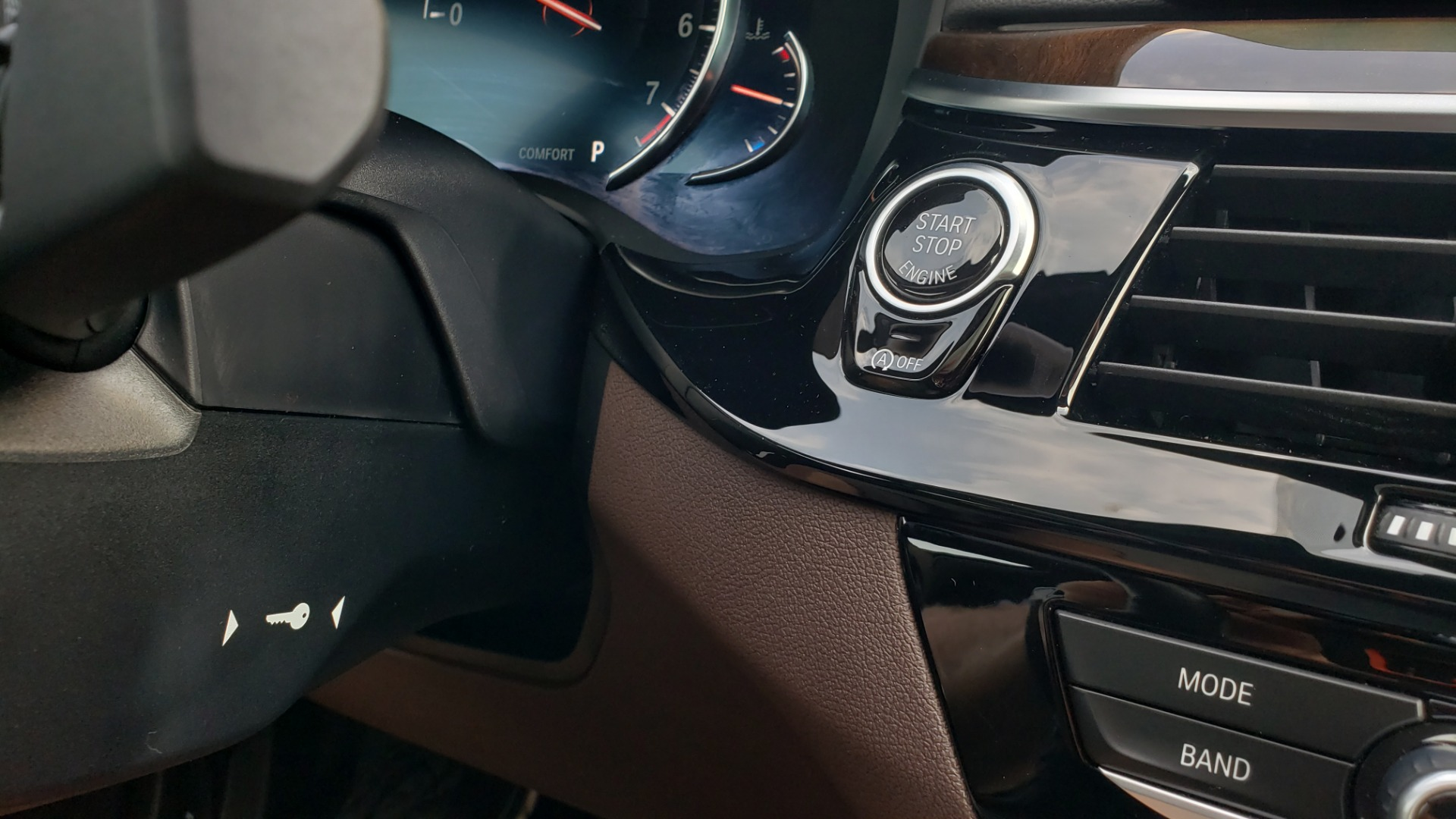 Used 2018 BMW 5 SERIES 540I XDRIVE PREMIUM / EXECUTIVE / LUXURY / H/K SND / REMOTE CONTROL PARKING for sale $40,995 at Formula Imports in Charlotte NC 28227 43