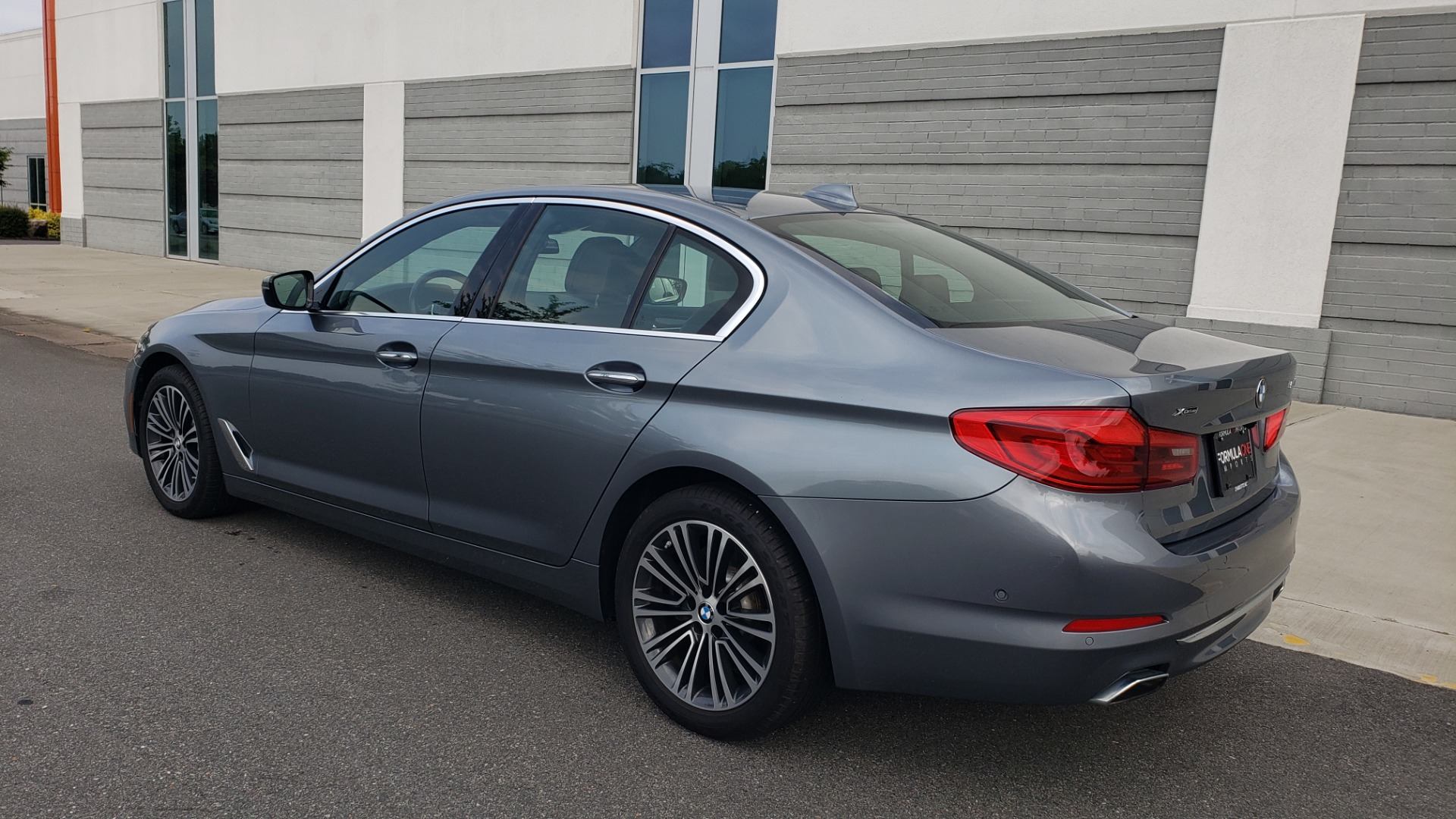 Used 2018 BMW 5 SERIES 540I XDRIVE PREMIUM / EXECUTIVE / LUXURY / H/K SND / REMOTE CONTROL PARKING for sale $40,995 at Formula Imports in Charlotte NC 28227 6