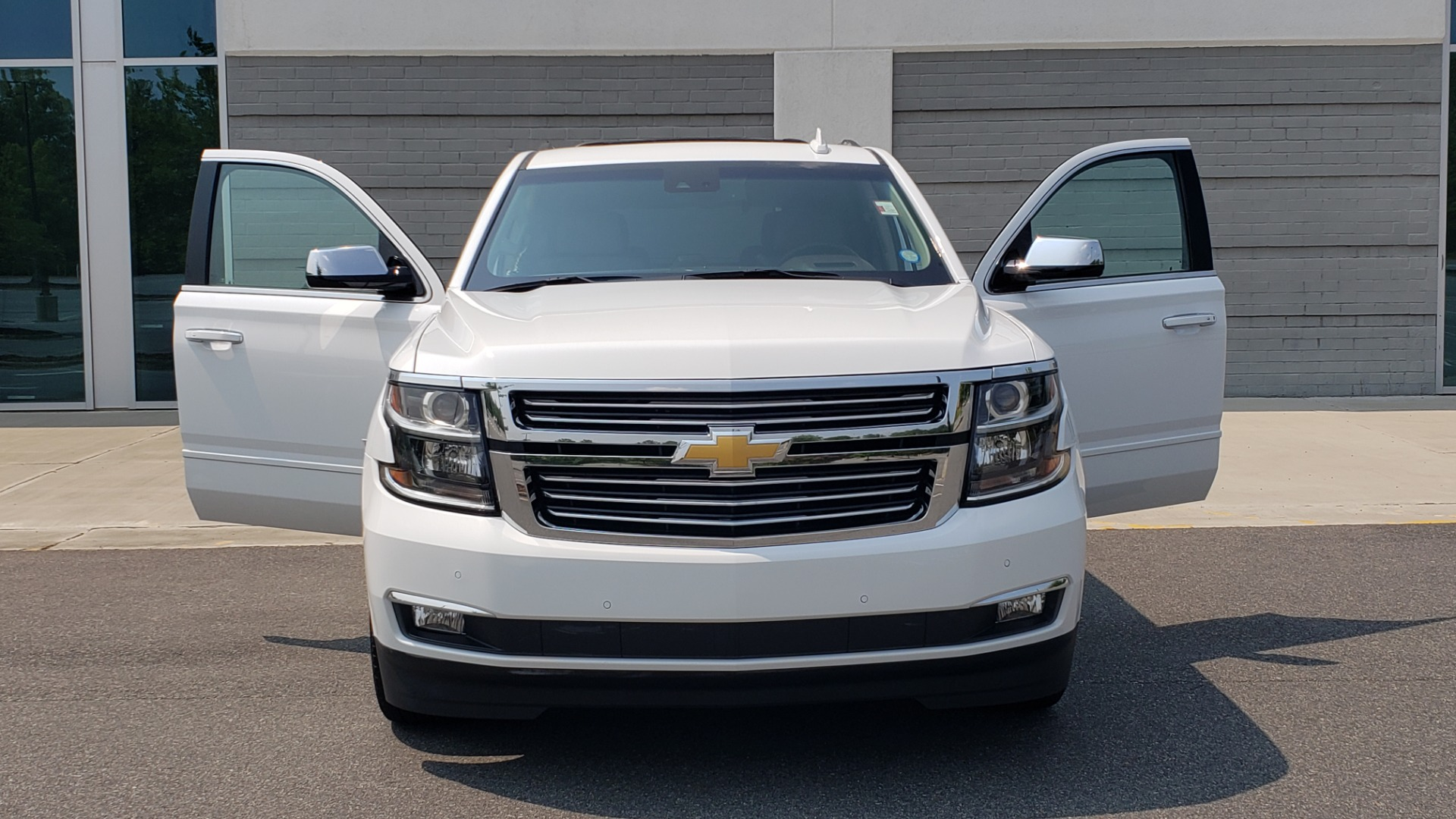 Used 2018 Chevrolet TAHOE PREMIER 4WD / NAV / SUNROOF / BOSE / 3-ROW / HUD / REARVIEW for sale $63,995 at Formula Imports in Charlotte NC 28227 25
