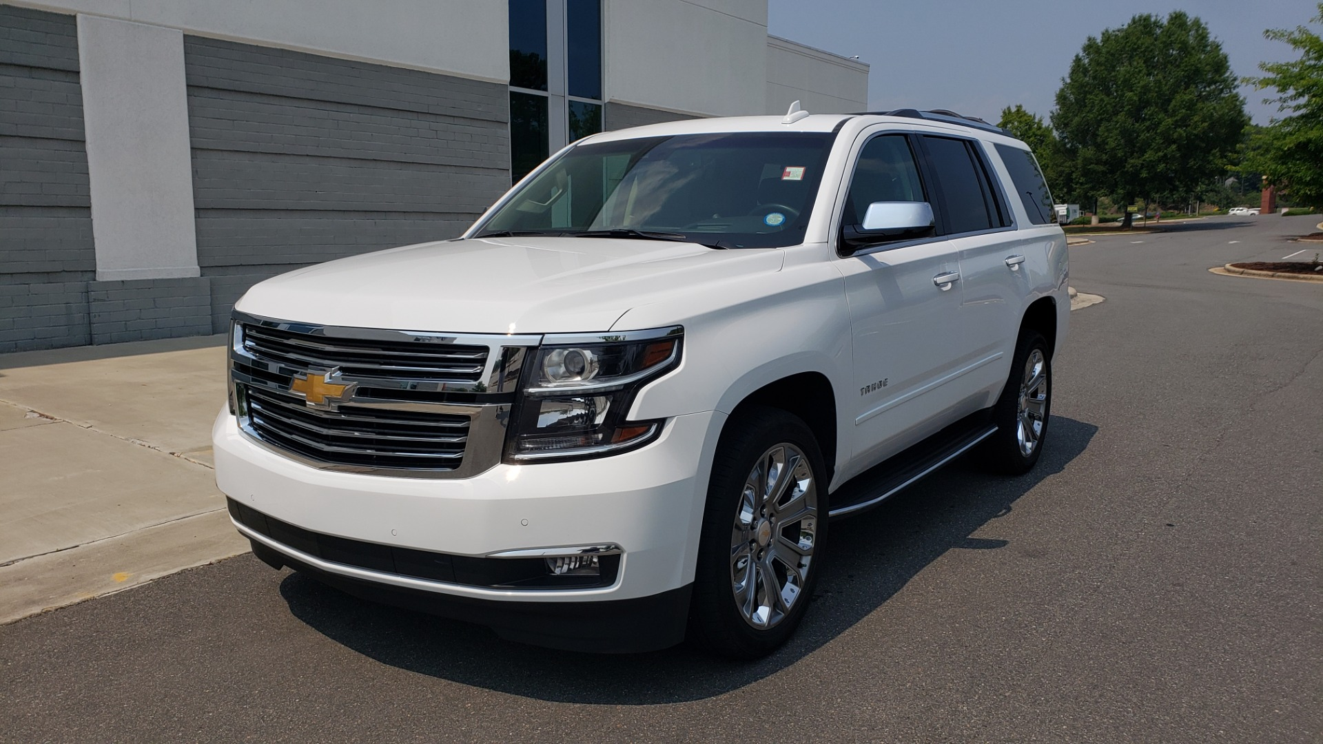 Used 2018 Chevrolet TAHOE PREMIER 4WD / NAV / SUNROOF / BOSE / 3-ROW / HUD / REARVIEW for sale $63,995 at Formula Imports in Charlotte NC 28227 3