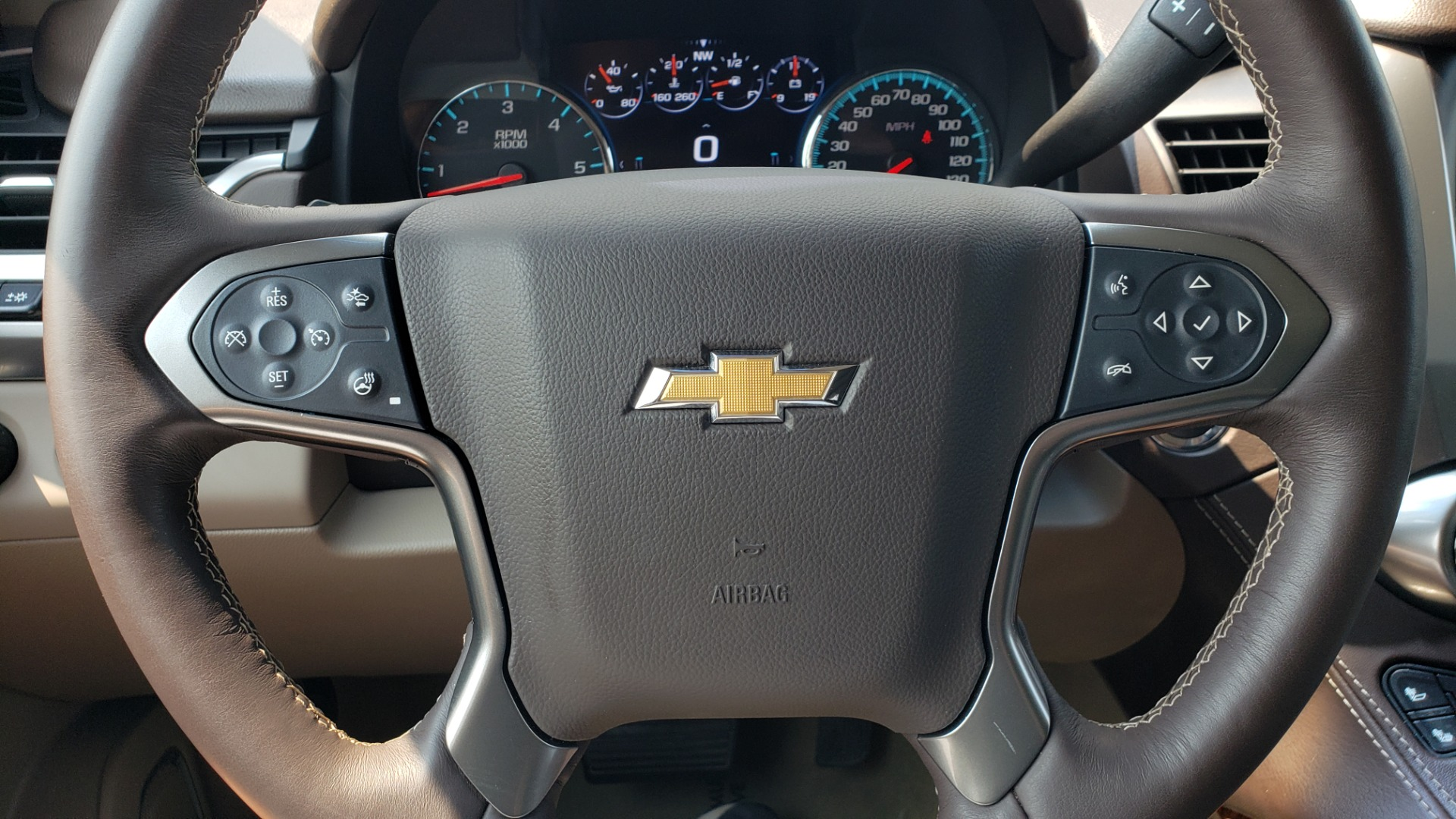 Used 2018 Chevrolet TAHOE PREMIER 4WD / NAV / SUNROOF / BOSE / 3-ROW / HUD / REARVIEW for sale $63,995 at Formula Imports in Charlotte NC 28227 42