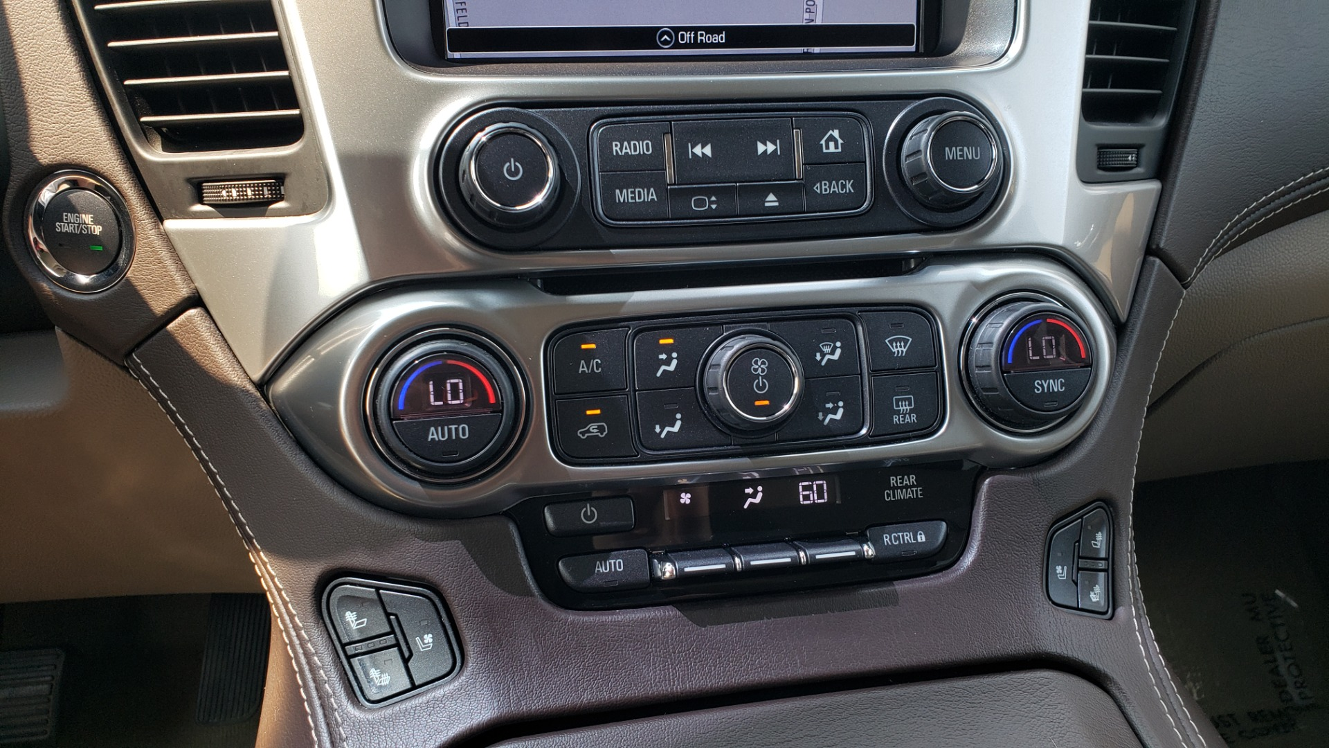 Used 2018 Chevrolet TAHOE PREMIER 4WD / NAV / SUNROOF / BOSE / 3-ROW / HUD / REARVIEW for sale $63,995 at Formula Imports in Charlotte NC 28227 54