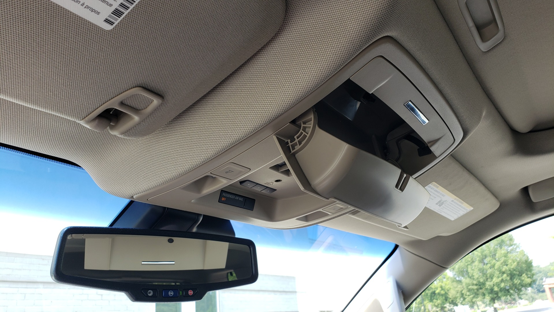 Used 2018 Chevrolet TAHOE PREMIER 4WD / NAV / SUNROOF / BOSE / 3-ROW / HUD / REARVIEW for sale $63,995 at Formula Imports in Charlotte NC 28227 59