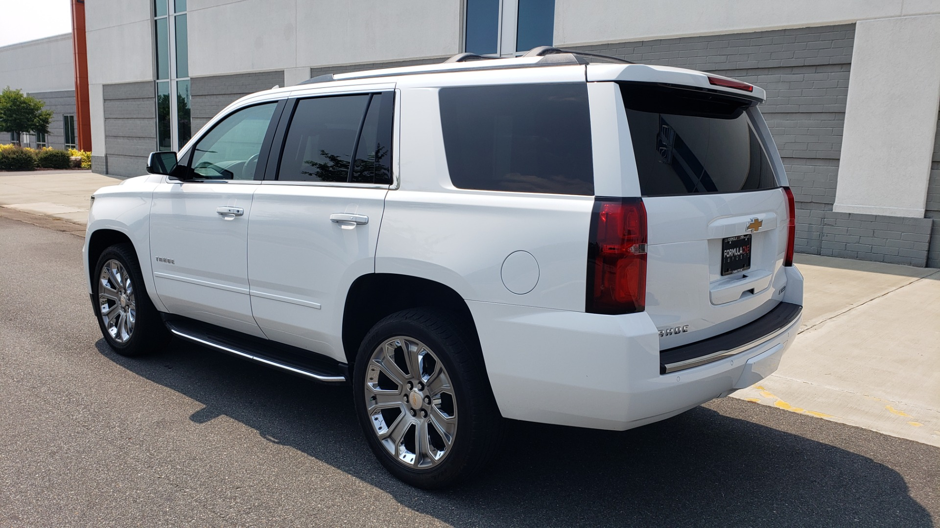 Used 2018 Chevrolet TAHOE PREMIER 4WD / NAV / SUNROOF / BOSE / 3-ROW / HUD / REARVIEW for sale $63,995 at Formula Imports in Charlotte NC 28227 7