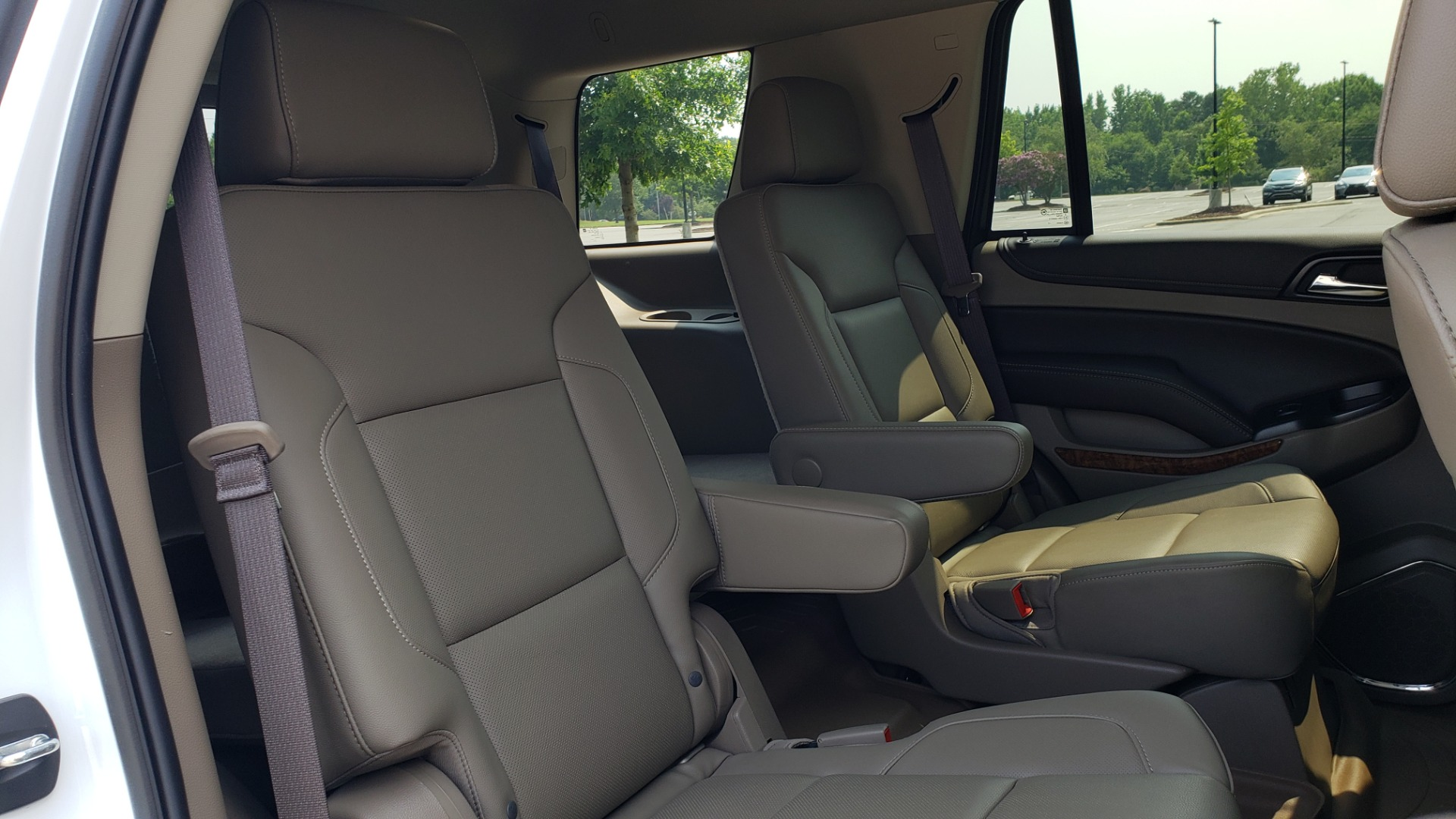 Used 2018 Chevrolet TAHOE PREMIER 4WD / NAV / SUNROOF / BOSE / 3-ROW / HUD / REARVIEW for sale $63,995 at Formula Imports in Charlotte NC 28227 76