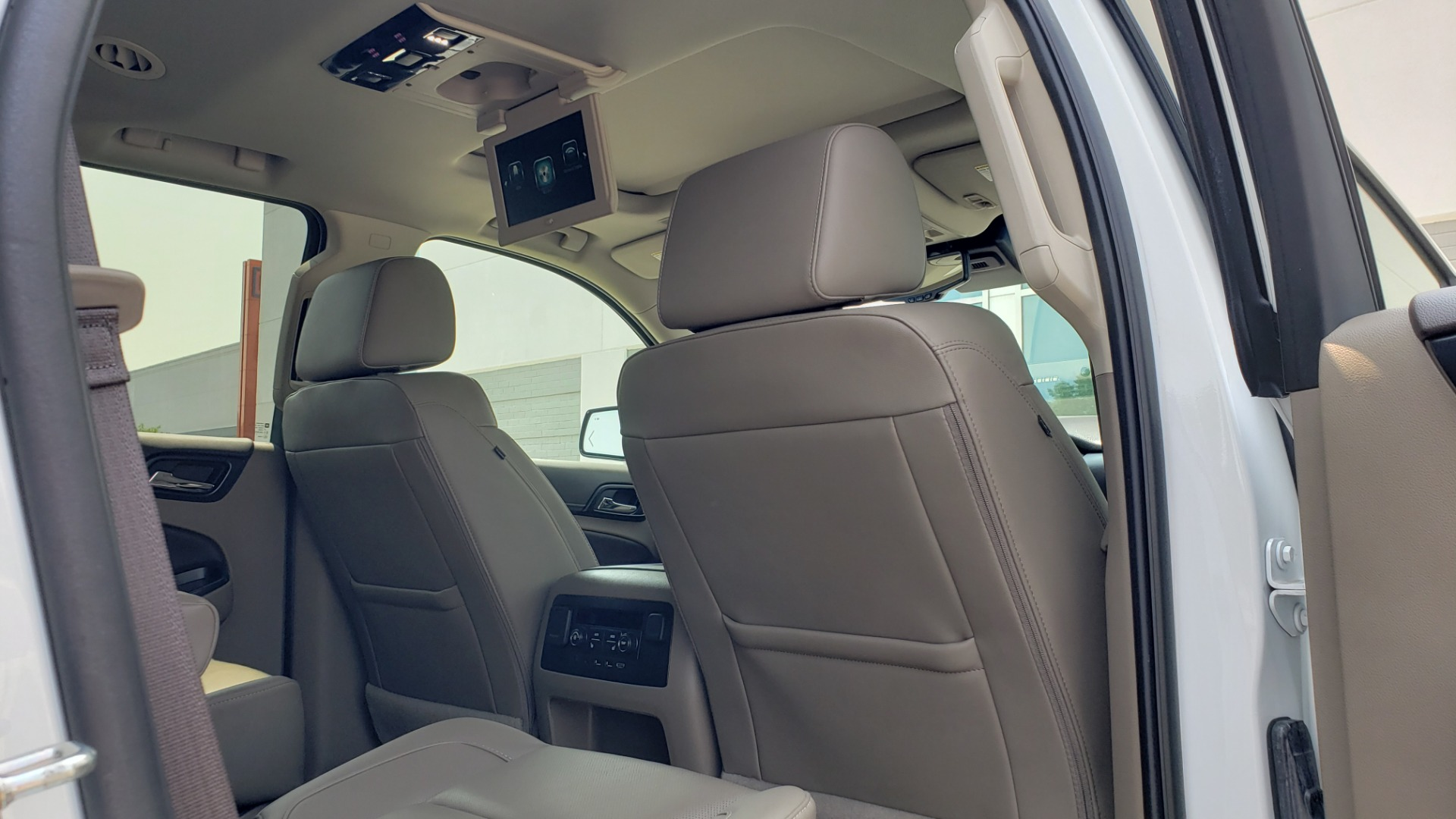 Used 2018 Chevrolet TAHOE PREMIER 4WD / NAV / SUNROOF / BOSE / 3-ROW / HUD / REARVIEW for sale $63,995 at Formula Imports in Charlotte NC 28227 77