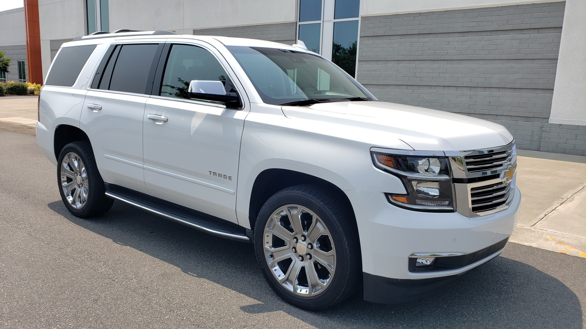Used 2018 Chevrolet TAHOE PREMIER 4WD / NAV / SUNROOF / BOSE / 3-ROW / HUD / REARVIEW for sale $63,995 at Formula Imports in Charlotte NC 28227 8