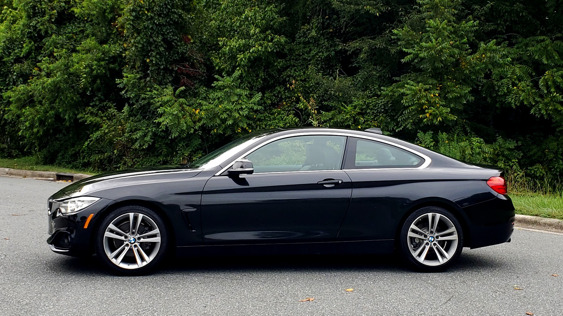 Used 2016 BMW 4 SERIES 428I PREMIUM COUPE / 2.0L / AUTO / NAV / SUNROOF / HEATED SEATS for sale $22,995 at Formula Imports in Charlotte NC 28227 2