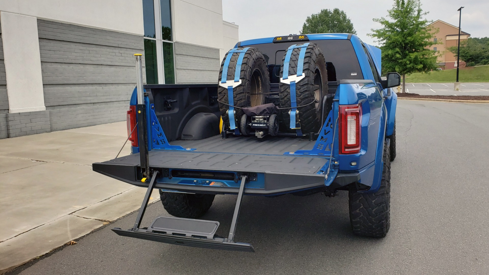 Used 2019 Ford F-150 RAPTOR 4X4 / CREWCAB / PRE-RUNNER CUSTOM SUSPENSION for sale $79,999 at Formula Imports in Charlotte NC 28227 25