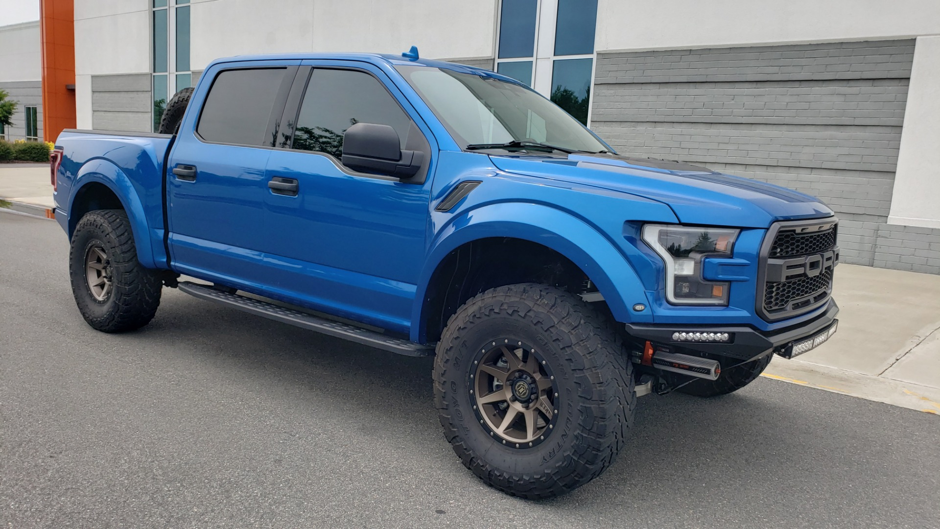 Used 2019 Ford F-150 RAPTOR 4X4 / CREWCAB / PRE-RUNNER CUSTOM SUSPENSION for sale $79,999 at Formula Imports in Charlotte NC 28227 9