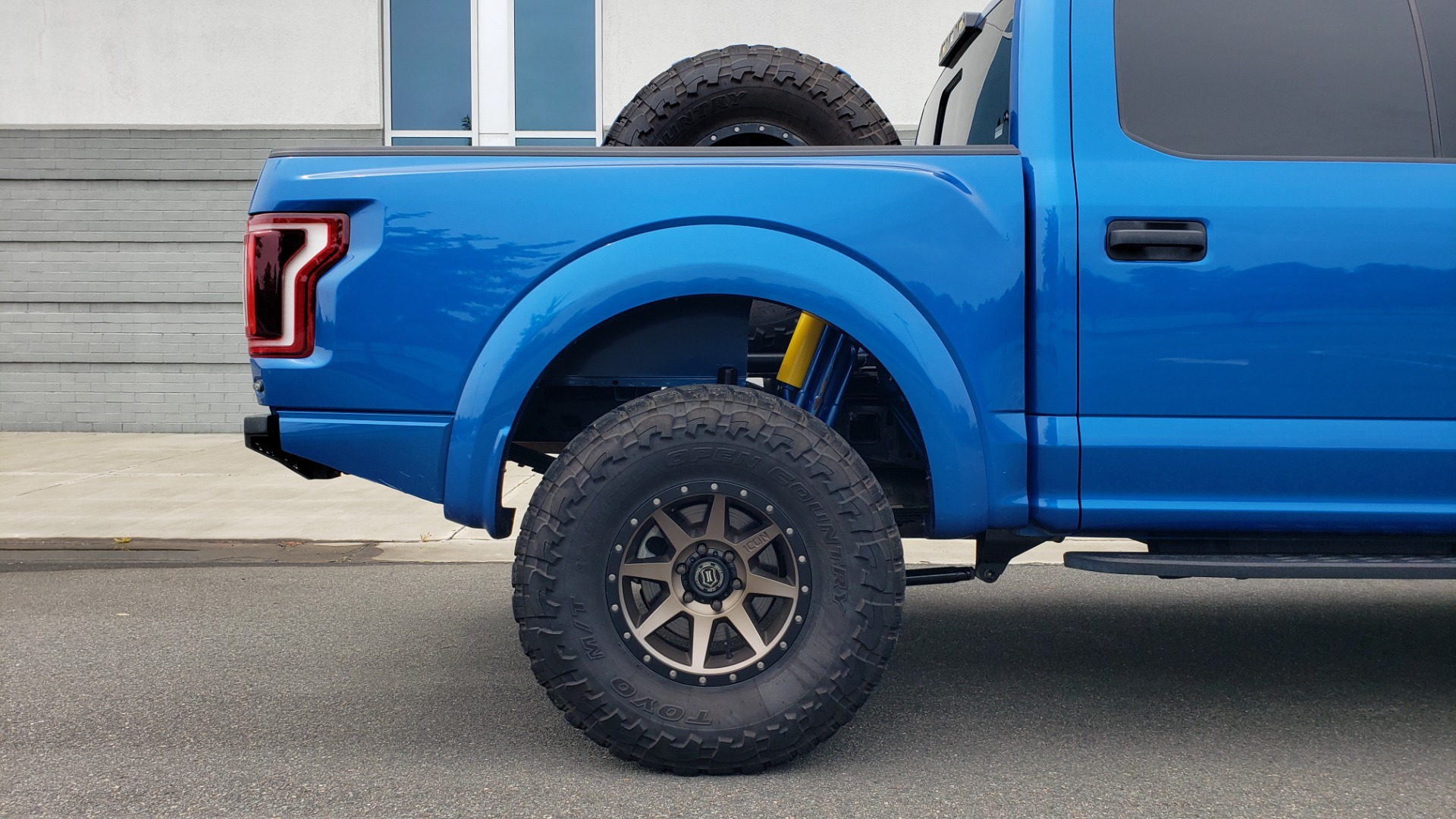 Used 2019 Ford F-150 RAPTOR 4X4 / CREWCAB / PRE-RUNNER CUSTOM SUSPENSION for sale $79,999 at Formula Imports in Charlotte NC 28227 94