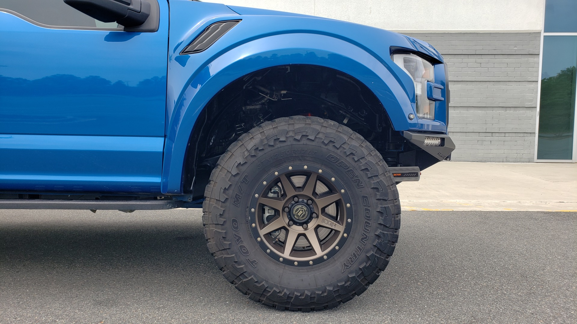 Used 2019 Ford F-150 RAPTOR 4X4 / CREWCAB / PRE-RUNNER CUSTOM SUSPENSION for sale $79,999 at Formula Imports in Charlotte NC 28227 95