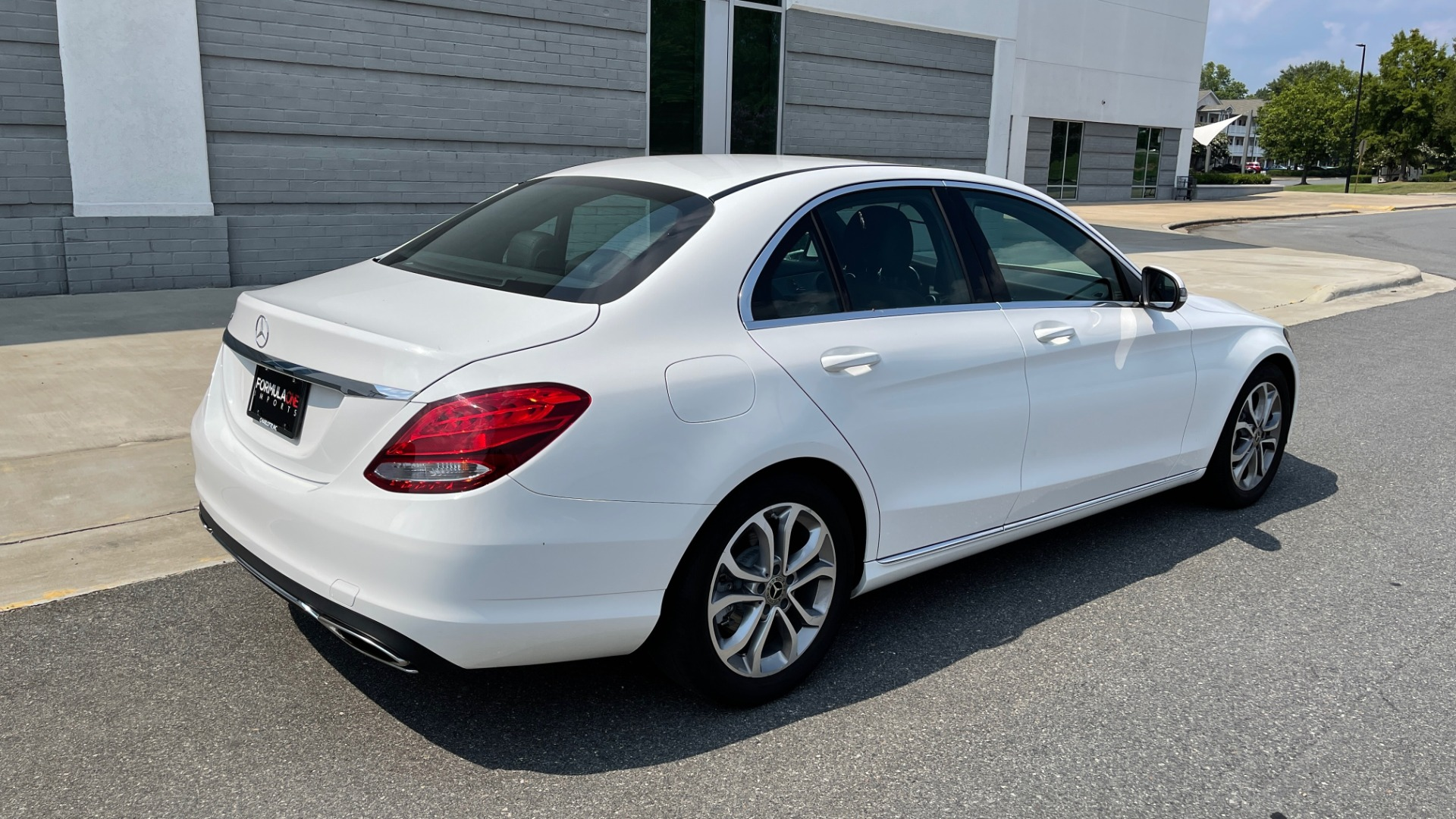Used 2018 Mercedes-Benz C-CLASS C 300 / 2.0L / RWD / SUNROOF / APPLE~ANDROID / REARVIEW for sale $29,995 at Formula Imports in Charlotte NC 28227 2