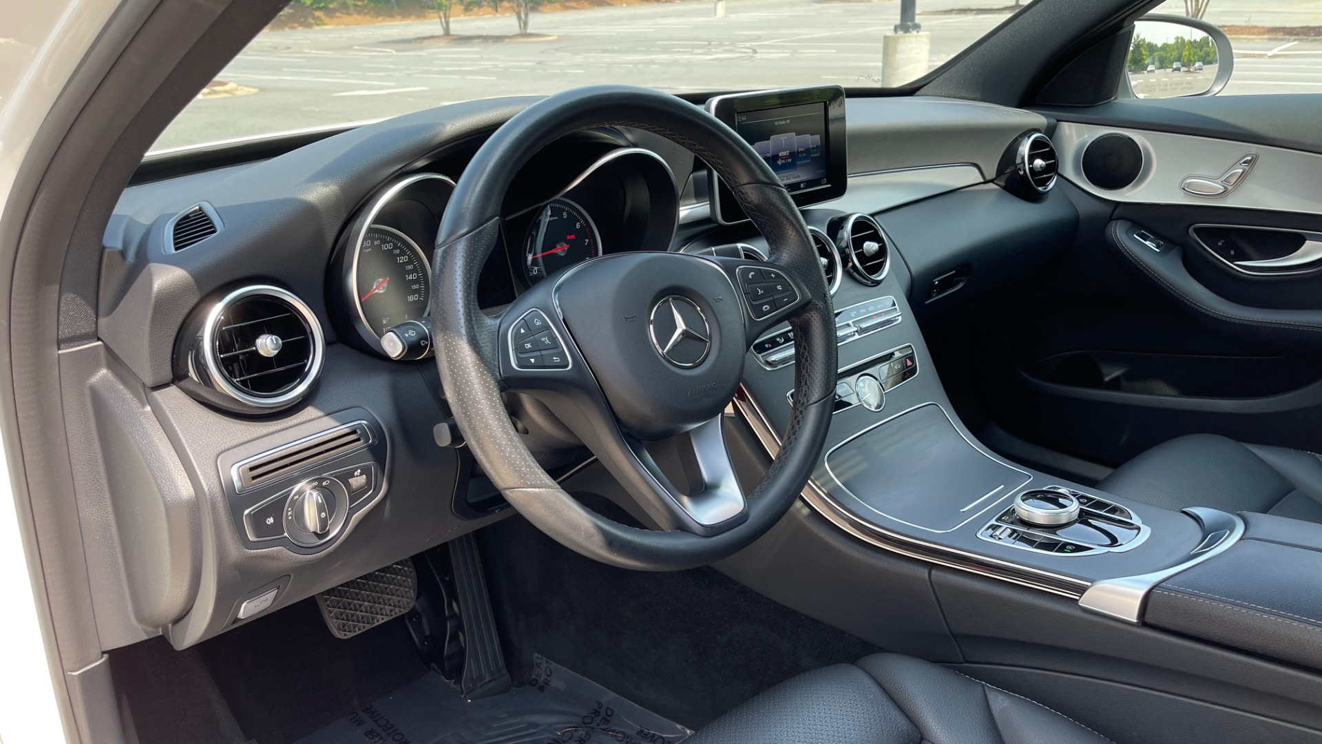 Used 2018 Mercedes-Benz C-CLASS C 300 / 2.0L / RWD / SUNROOF / APPLE~ANDROID / REARVIEW for sale $29,995 at Formula Imports in Charlotte NC 28227 30
