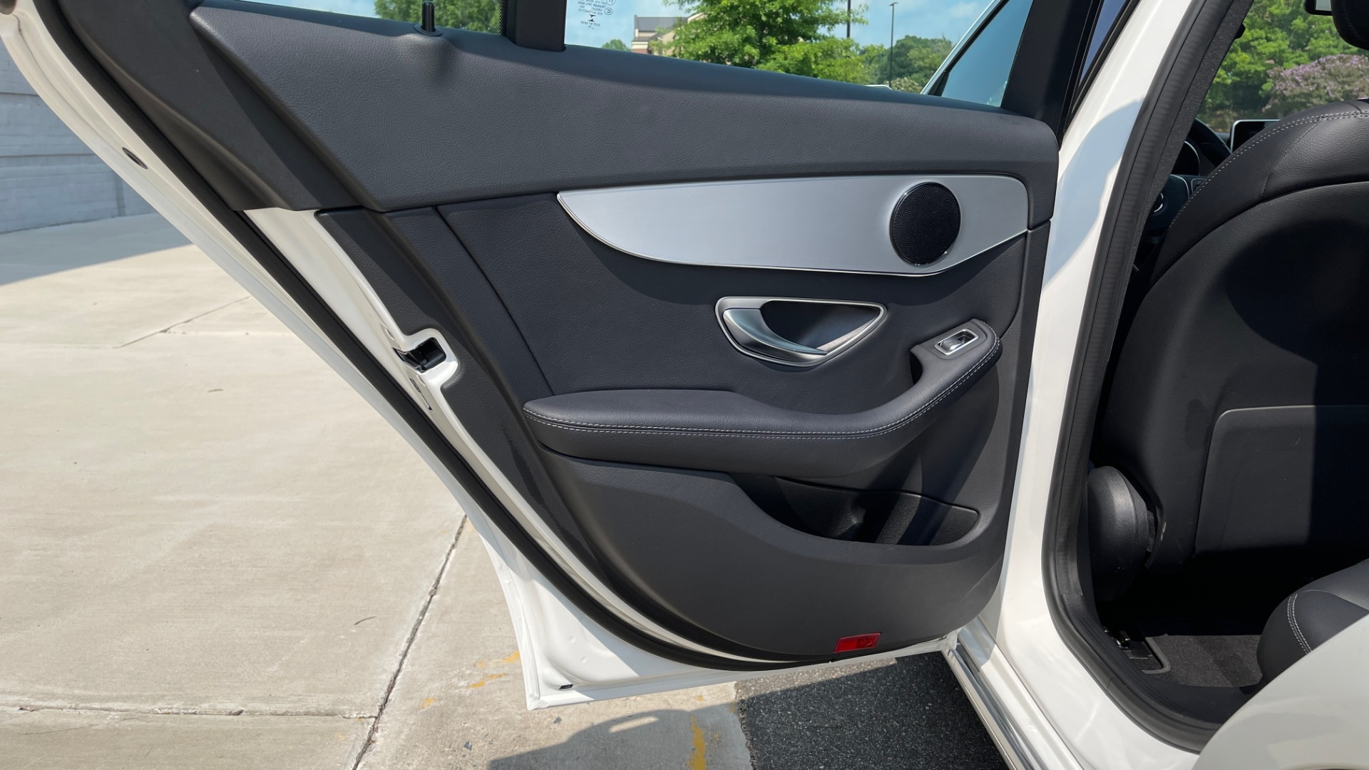 Used 2018 Mercedes-Benz C-CLASS C 300 / 2.0L / RWD / SUNROOF / APPLE~ANDROID / REARVIEW for sale $29,995 at Formula Imports in Charlotte NC 28227 45