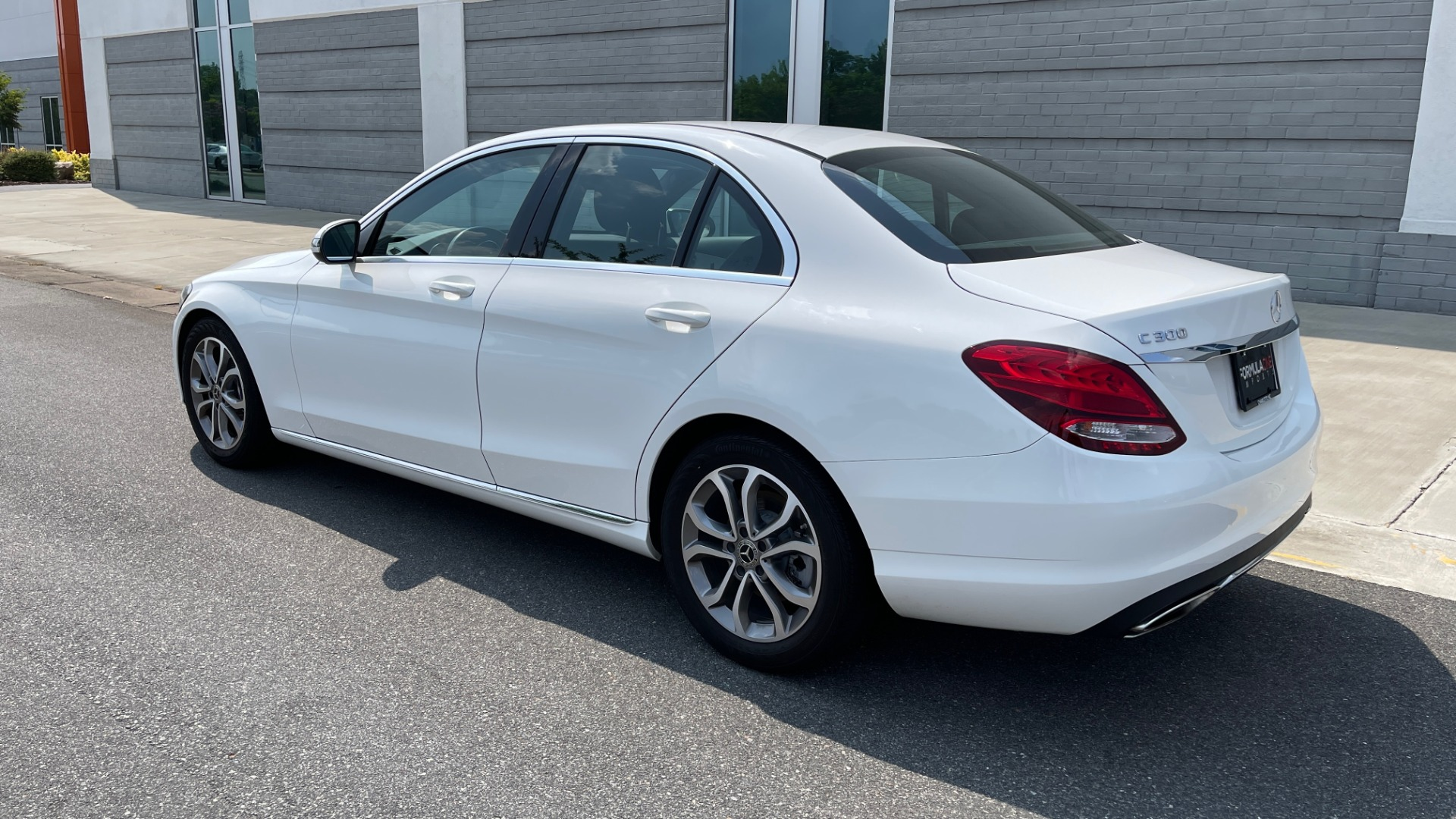 Used 2018 Mercedes-Benz C-CLASS C 300 / 2.0L / RWD / SUNROOF / APPLE~ANDROID / REARVIEW for sale $29,995 at Formula Imports in Charlotte NC 28227 5
