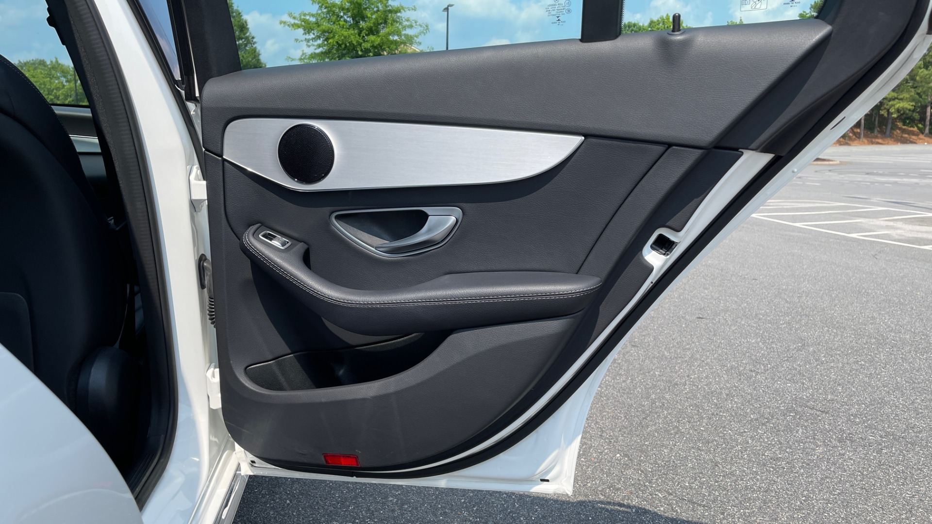Used 2018 Mercedes-Benz C-CLASS C 300 / 2.0L / RWD / SUNROOF / APPLE~ANDROID / REARVIEW for sale $29,995 at Formula Imports in Charlotte NC 28227 52