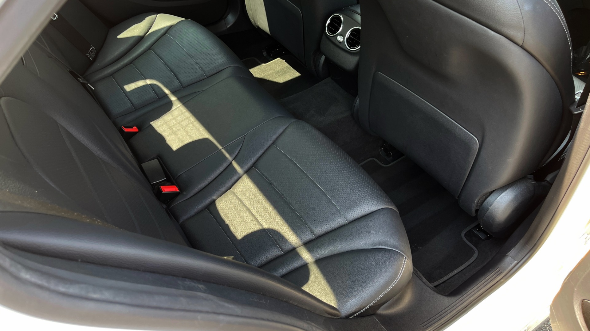 Used 2018 Mercedes-Benz C-CLASS C 300 / 2.0L / RWD / SUNROOF / APPLE~ANDROID / REARVIEW for sale $29,995 at Formula Imports in Charlotte NC 28227 54