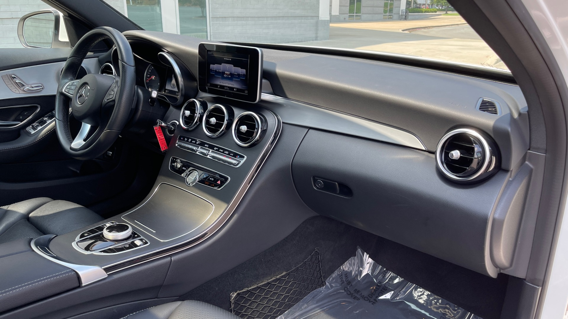 Used 2018 Mercedes-Benz C-CLASS C 300 / 2.0L / RWD / SUNROOF / APPLE~ANDROID / REARVIEW for sale $29,995 at Formula Imports in Charlotte NC 28227 58