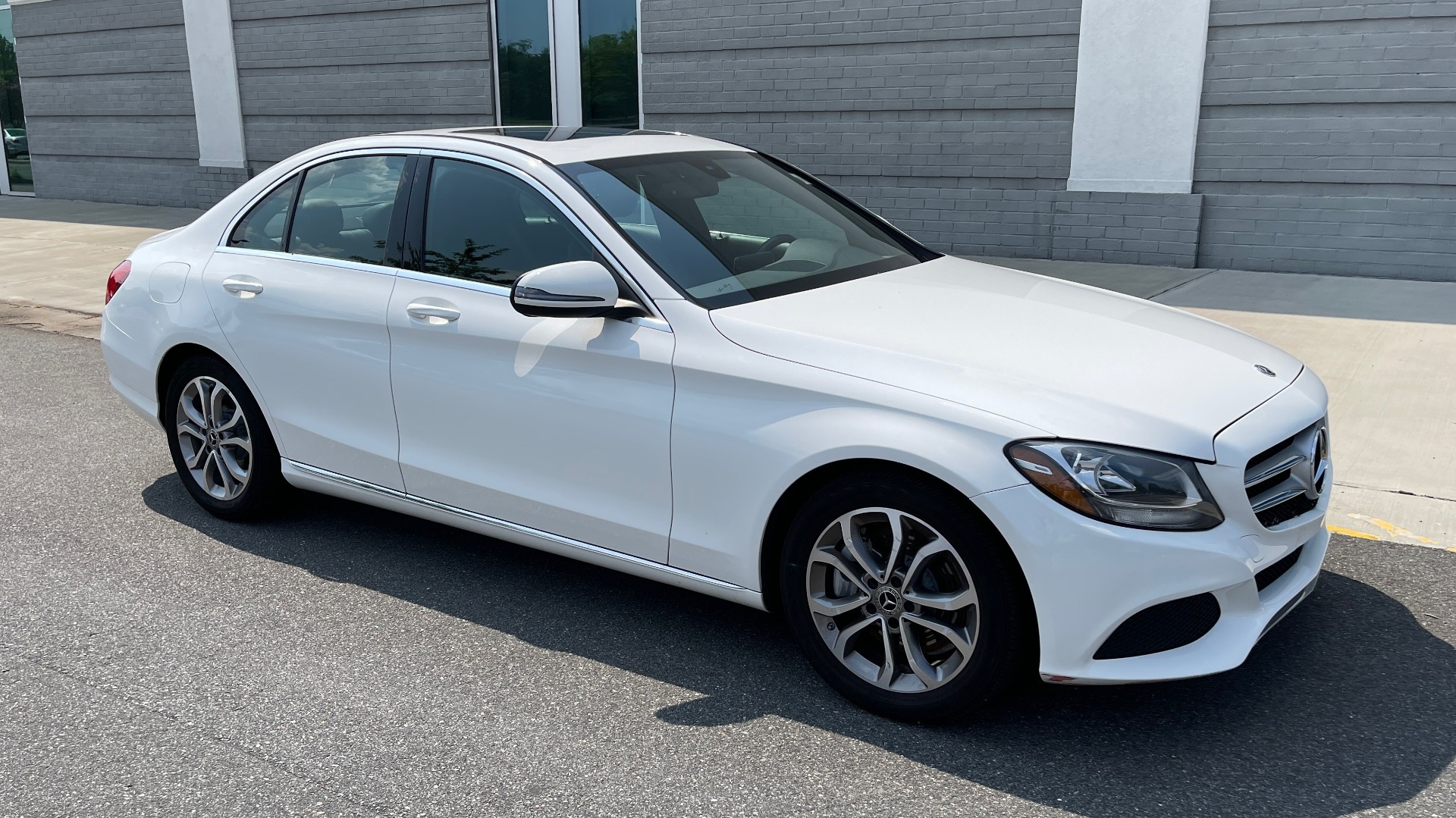 Used 2018 Mercedes-Benz C-CLASS C 300 / 2.0L / RWD / SUNROOF / APPLE~ANDROID / REARVIEW for sale $29,995 at Formula Imports in Charlotte NC 28227 6