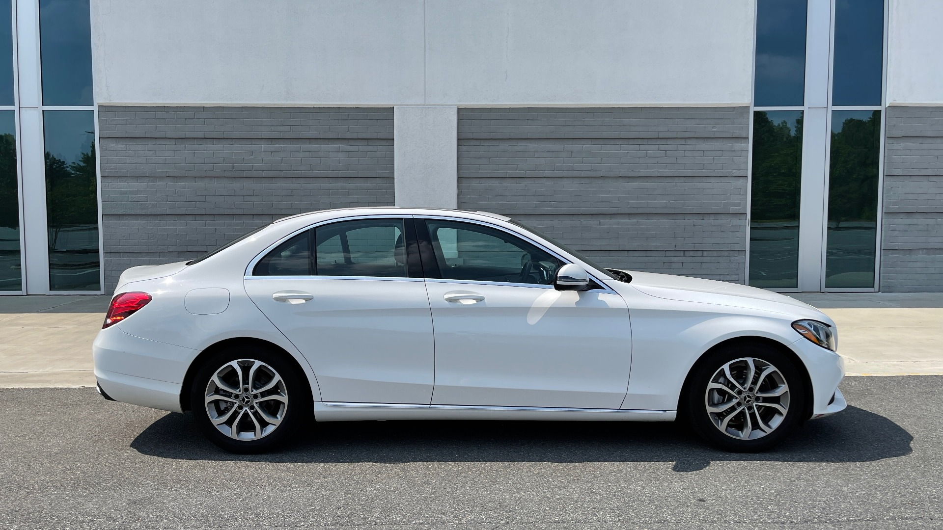 Used 2018 Mercedes-Benz C-CLASS C 300 / 2.0L / RWD / SUNROOF / APPLE~ANDROID / REARVIEW for sale $29,995 at Formula Imports in Charlotte NC 28227 7