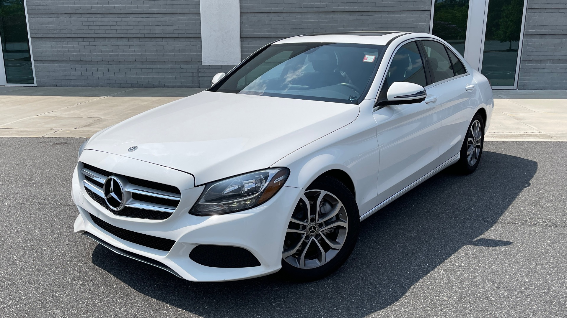 Used 2018 Mercedes-Benz C-CLASS C 300 / 2.0L / RWD / SUNROOF / APPLE~ANDROID / REARVIEW for sale $29,995 at Formula Imports in Charlotte NC 28227 1
