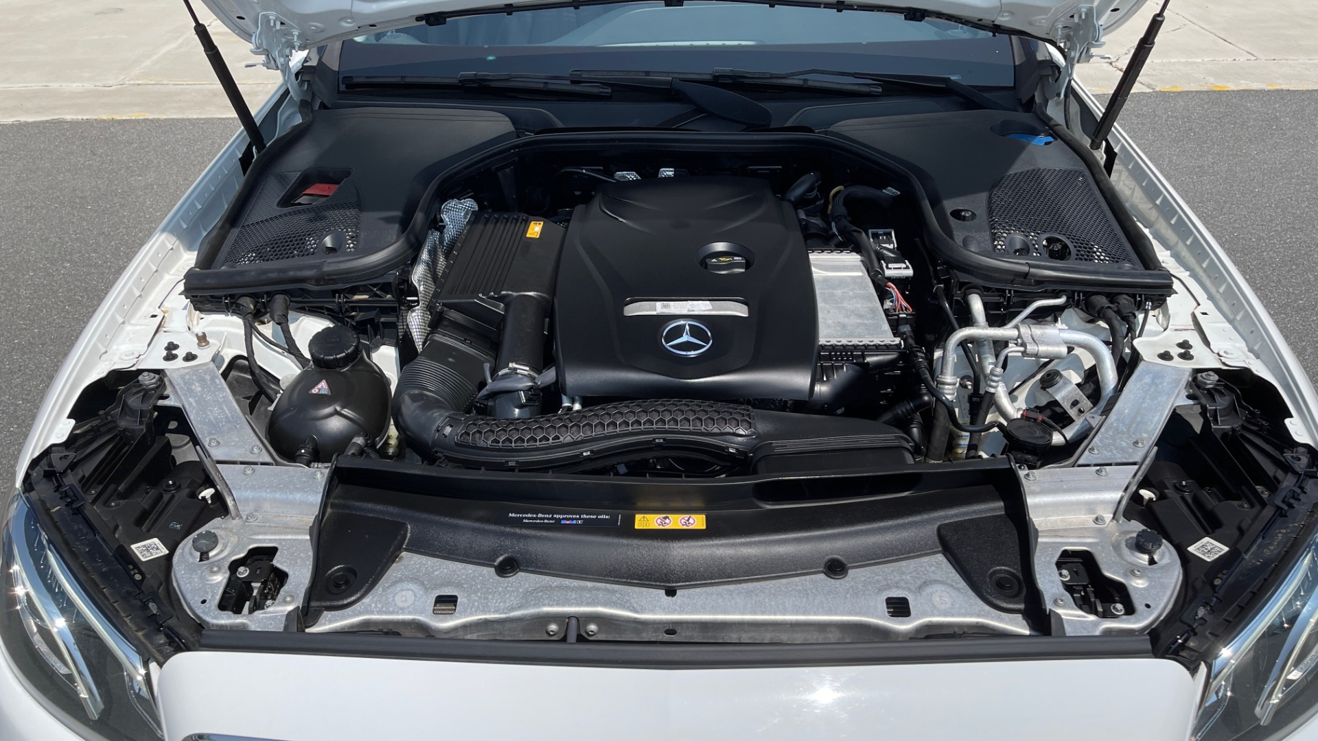 Used 2018 Mercedes-Benz E-CLASS E 300 / 2.0L I4 TURBO / NAV / BSA / SUNROOF / REARVIEW for sale Sold at Formula Imports in Charlotte NC 28227 11