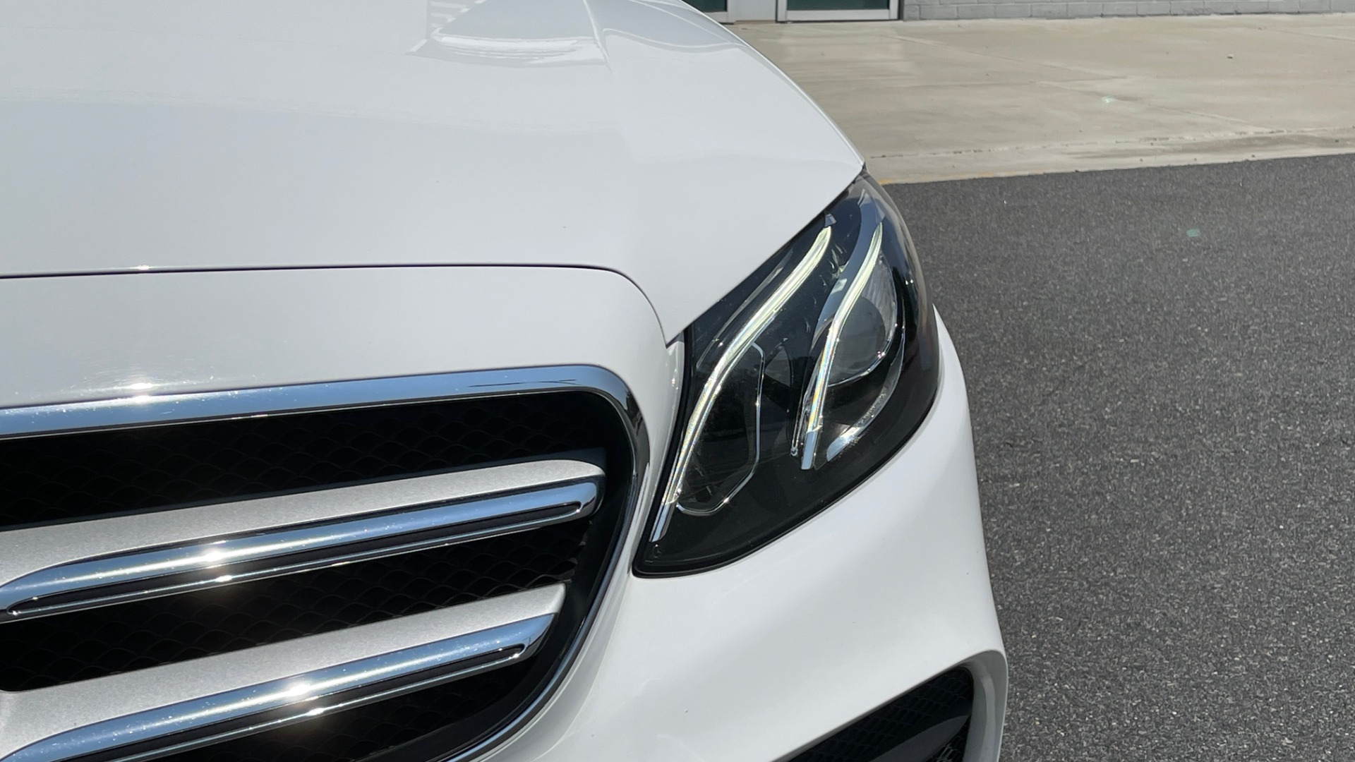 Used 2018 Mercedes-Benz E-CLASS E 300 / 2.0L I4 TURBO / NAV / BSA / SUNROOF / REARVIEW for sale Sold at Formula Imports in Charlotte NC 28227 16