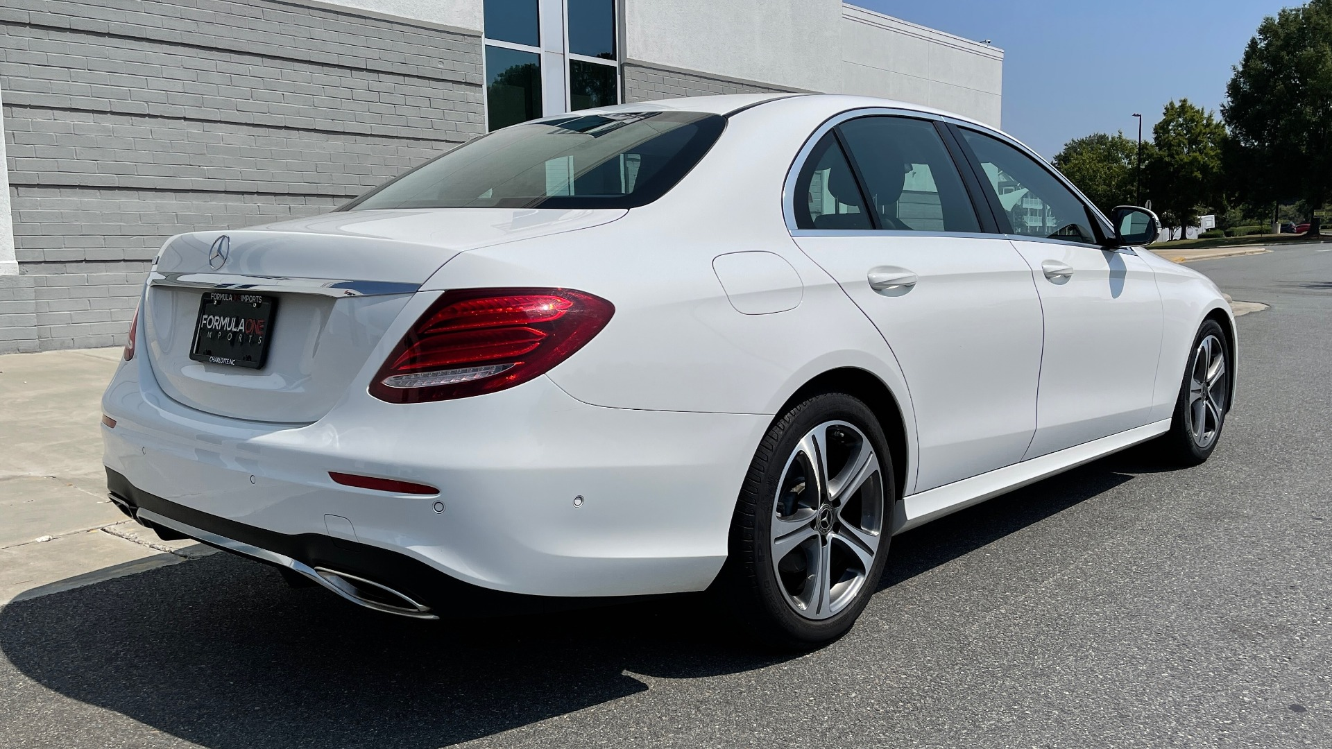 Used 2018 Mercedes-Benz E-CLASS E 300 / 2.0L I4 TURBO / NAV / BSA / SUNROOF / REARVIEW for sale Sold at Formula Imports in Charlotte NC 28227 2