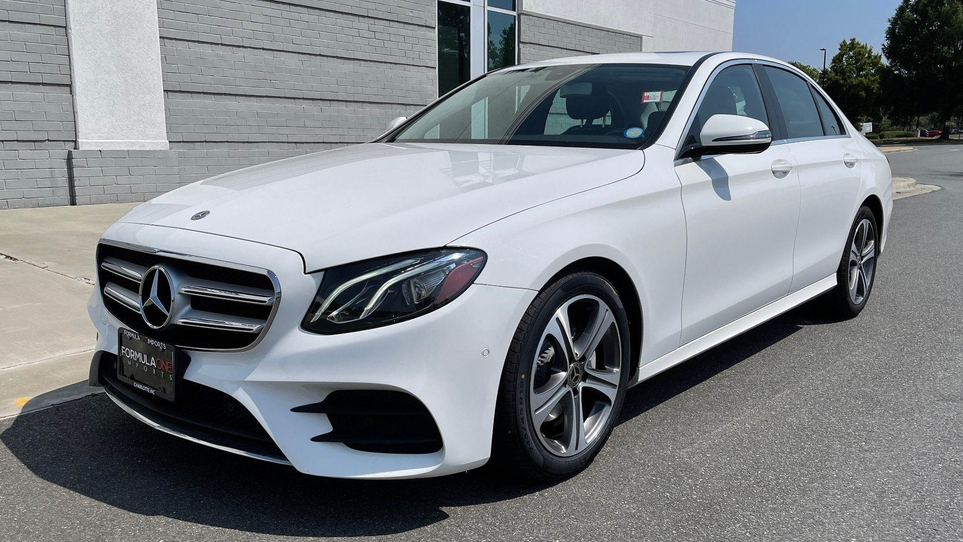 Used 2018 Mercedes-Benz E-CLASS E 300 / 2.0L I4 TURBO / NAV / BSA / SUNROOF / REARVIEW for sale Sold at Formula Imports in Charlotte NC 28227 3