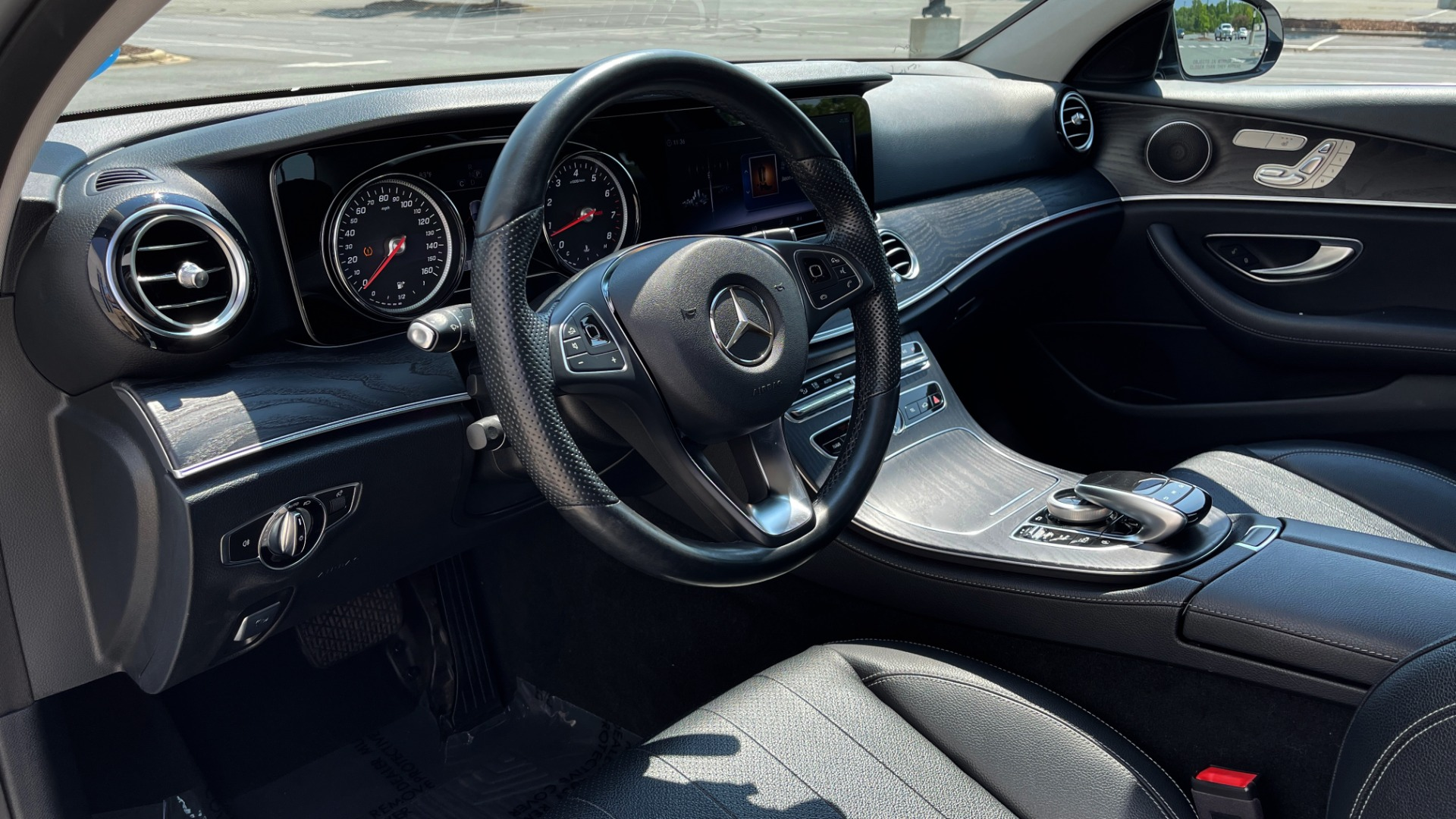 Used 2018 Mercedes-Benz E-CLASS E 300 / 2.0L I4 TURBO / NAV / BSA / SUNROOF / REARVIEW for sale Sold at Formula Imports in Charlotte NC 28227 32