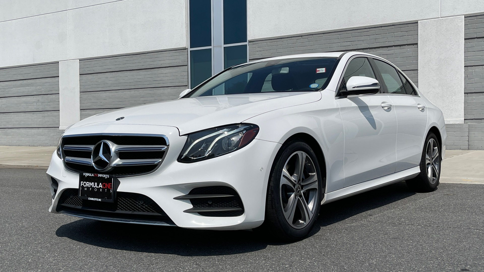 Used 2018 Mercedes-Benz E-CLASS E 300 / 2.0L I4 TURBO / NAV / BSA / SUNROOF / REARVIEW for sale Sold at Formula Imports in Charlotte NC 28227 4