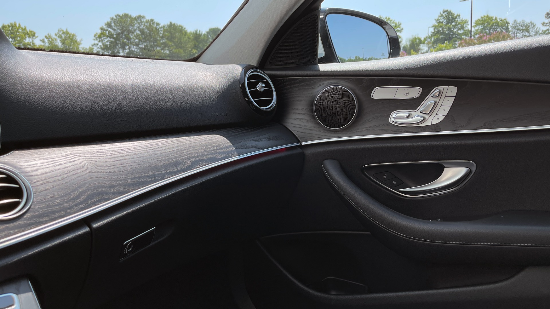Used 2018 Mercedes-Benz E-CLASS E 300 / 2.0L I4 TURBO / NAV / BSA / SUNROOF / REARVIEW for sale Sold at Formula Imports in Charlotte NC 28227 47
