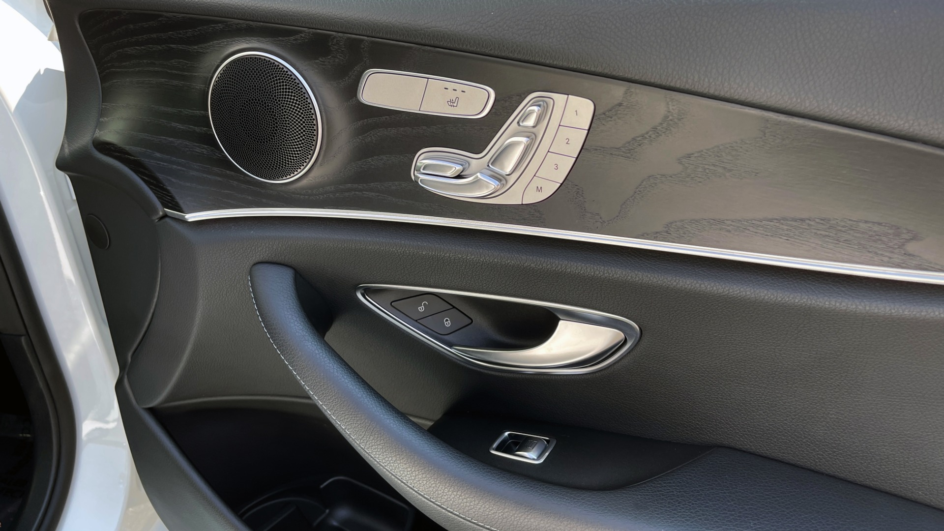 Used 2018 Mercedes-Benz E-CLASS E 300 / 2.0L I4 TURBO / NAV / BSA / SUNROOF / REARVIEW for sale Sold at Formula Imports in Charlotte NC 28227 64