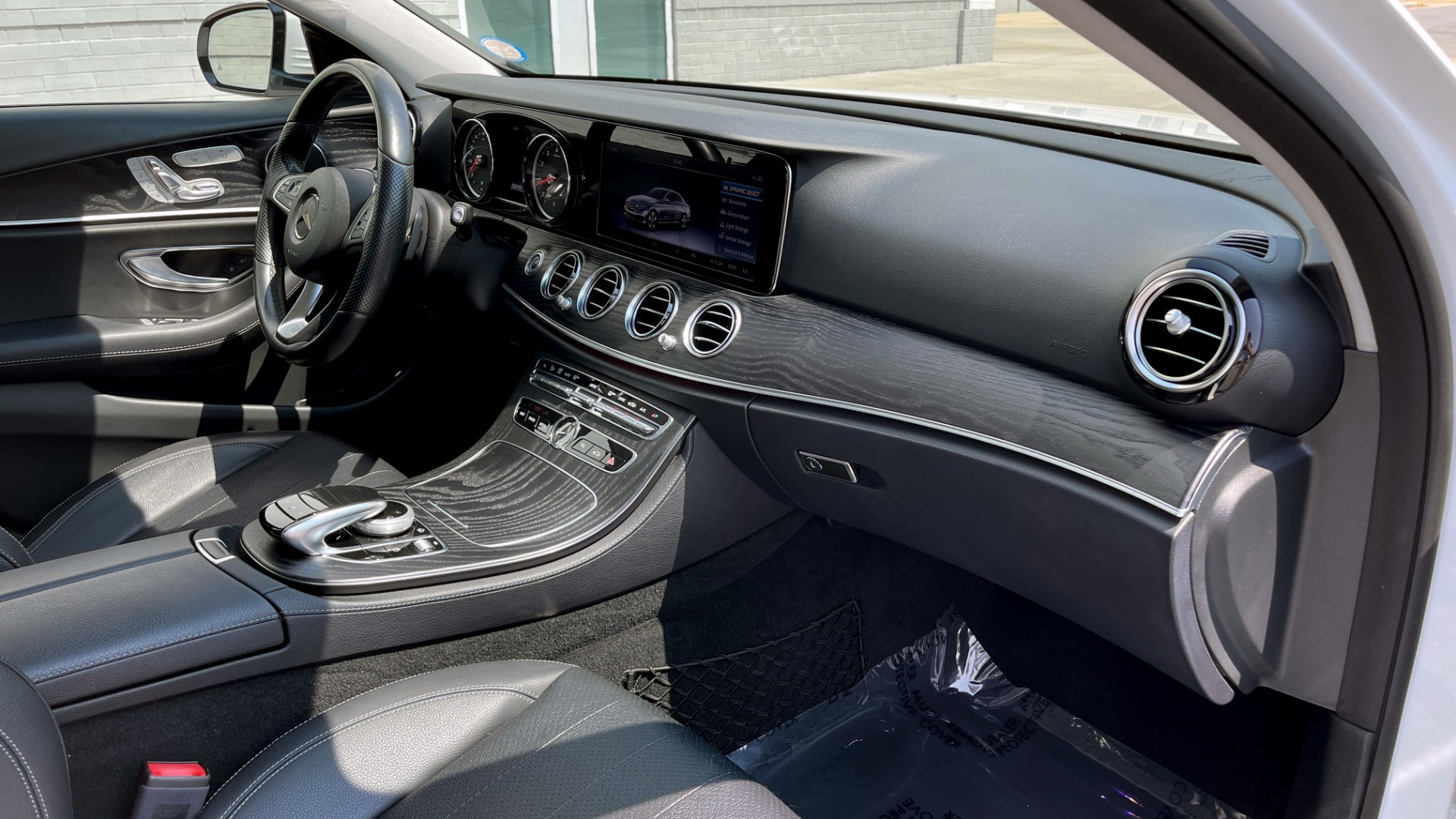 Used 2018 Mercedes-Benz E-CLASS E 300 / 2.0L I4 TURBO / NAV / BSA / SUNROOF / REARVIEW for sale Sold at Formula Imports in Charlotte NC 28227 65