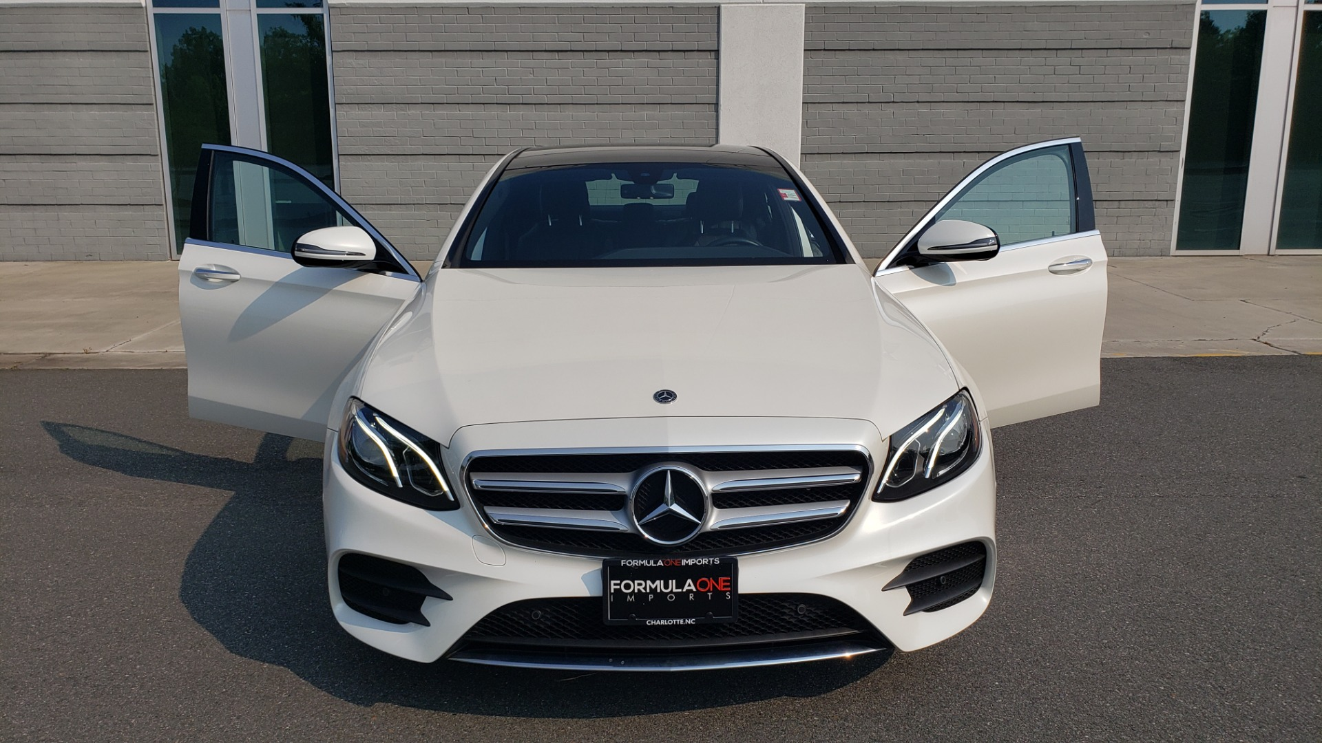 Used 2018 Mercedes-Benz E-CLASS E 300 4MATIC / PREMIUM / NAV / PANO-ROOF / BURMESTER / REARVIEW for sale $41,995 at Formula Imports in Charlotte NC 28227 19